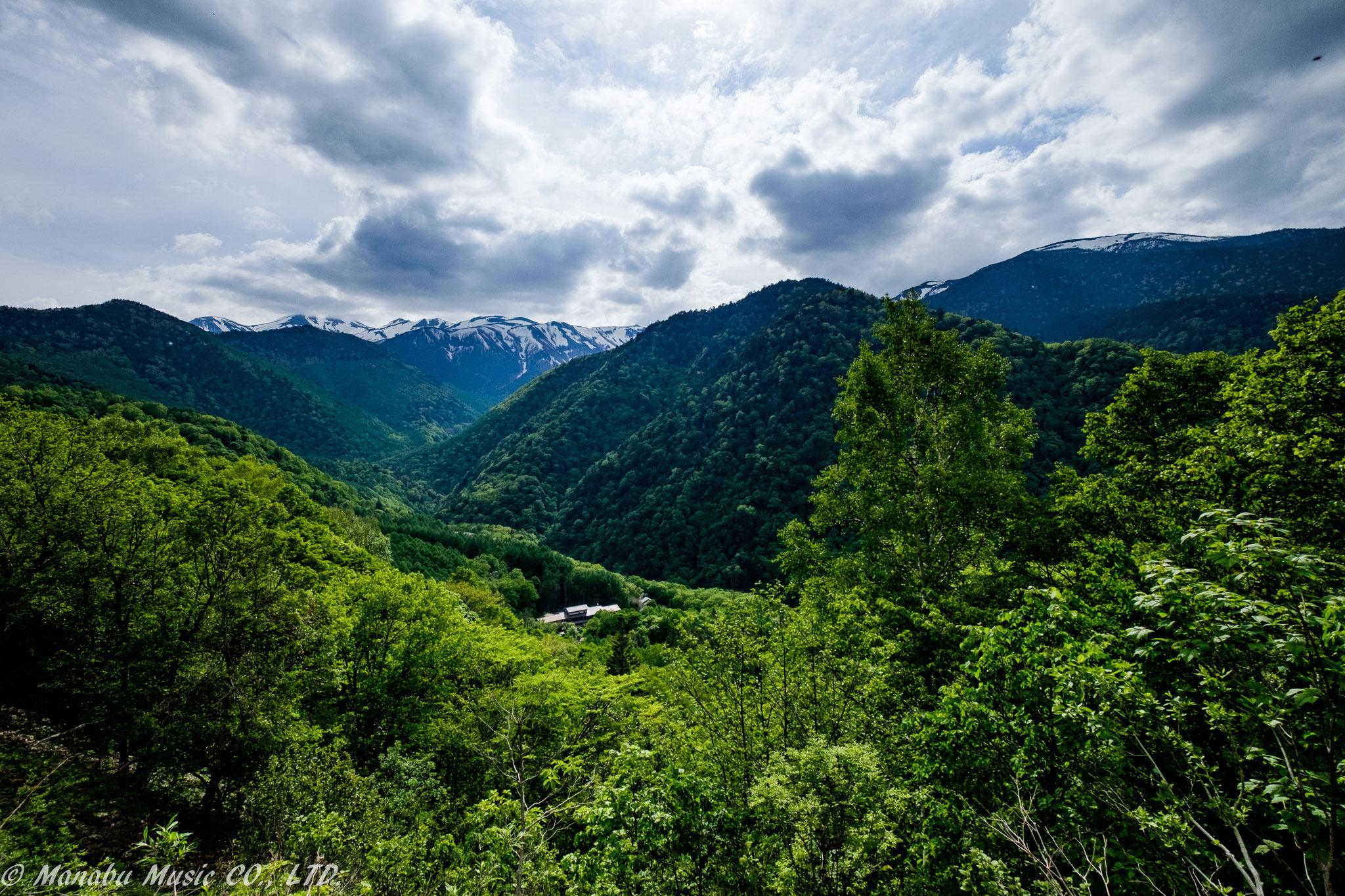新緑の山々  X-E2 XF10-24mm