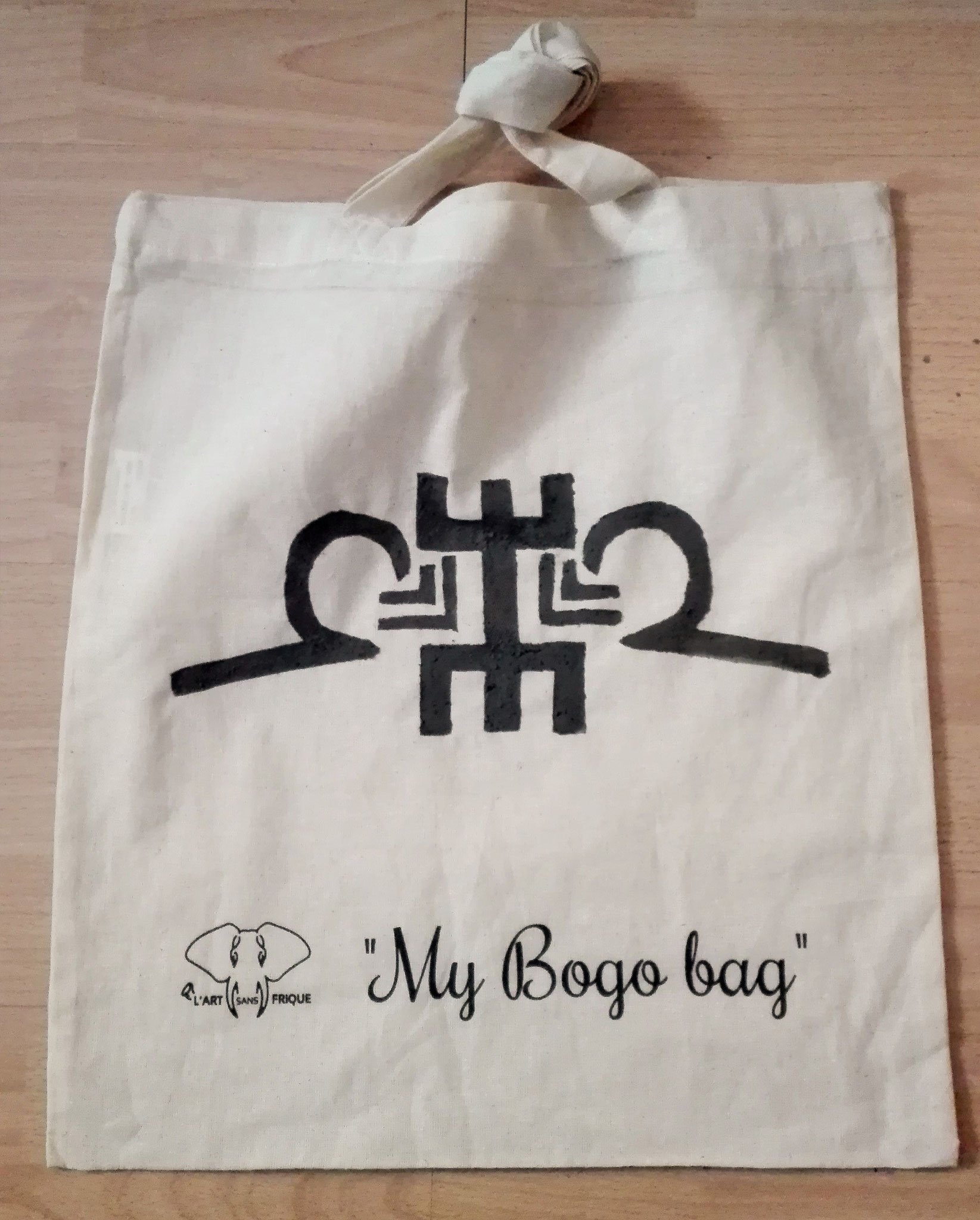 My bogo bag, le sac que vous personnaliser avec les matériaux du bogolan, argile et fixateur