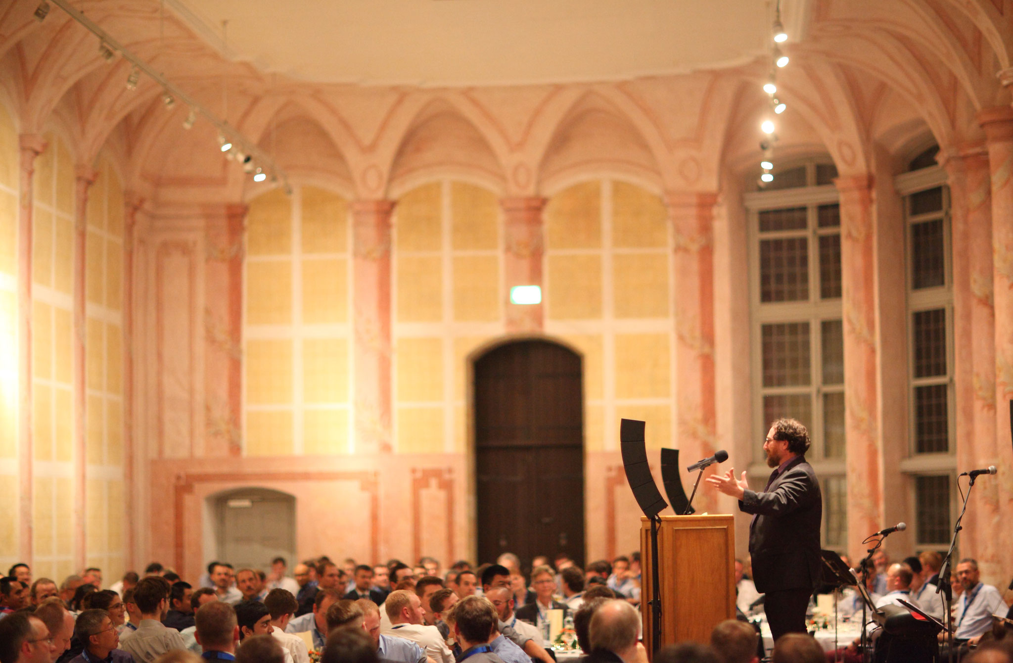 Prof. Craig B. Arnold from Princeton University, Knight of Laser Technology 2018, at the Conference Banquet in the Orangerie of Schloß Seehof near Bamberg