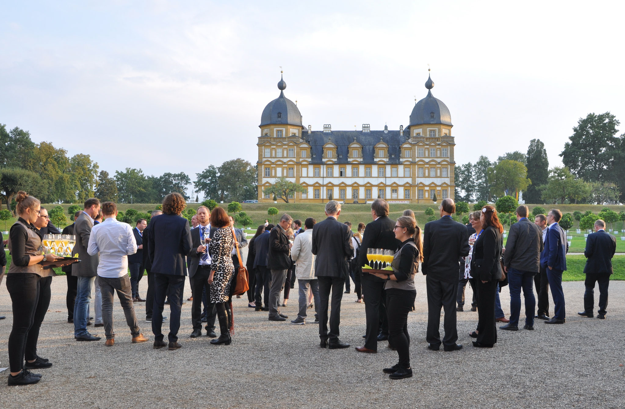 The conference dinner of LANE 2018 took place in the orangerie of Schloss Seehof near Bamberg. Here you can see LANE participants in front of Seehof castle