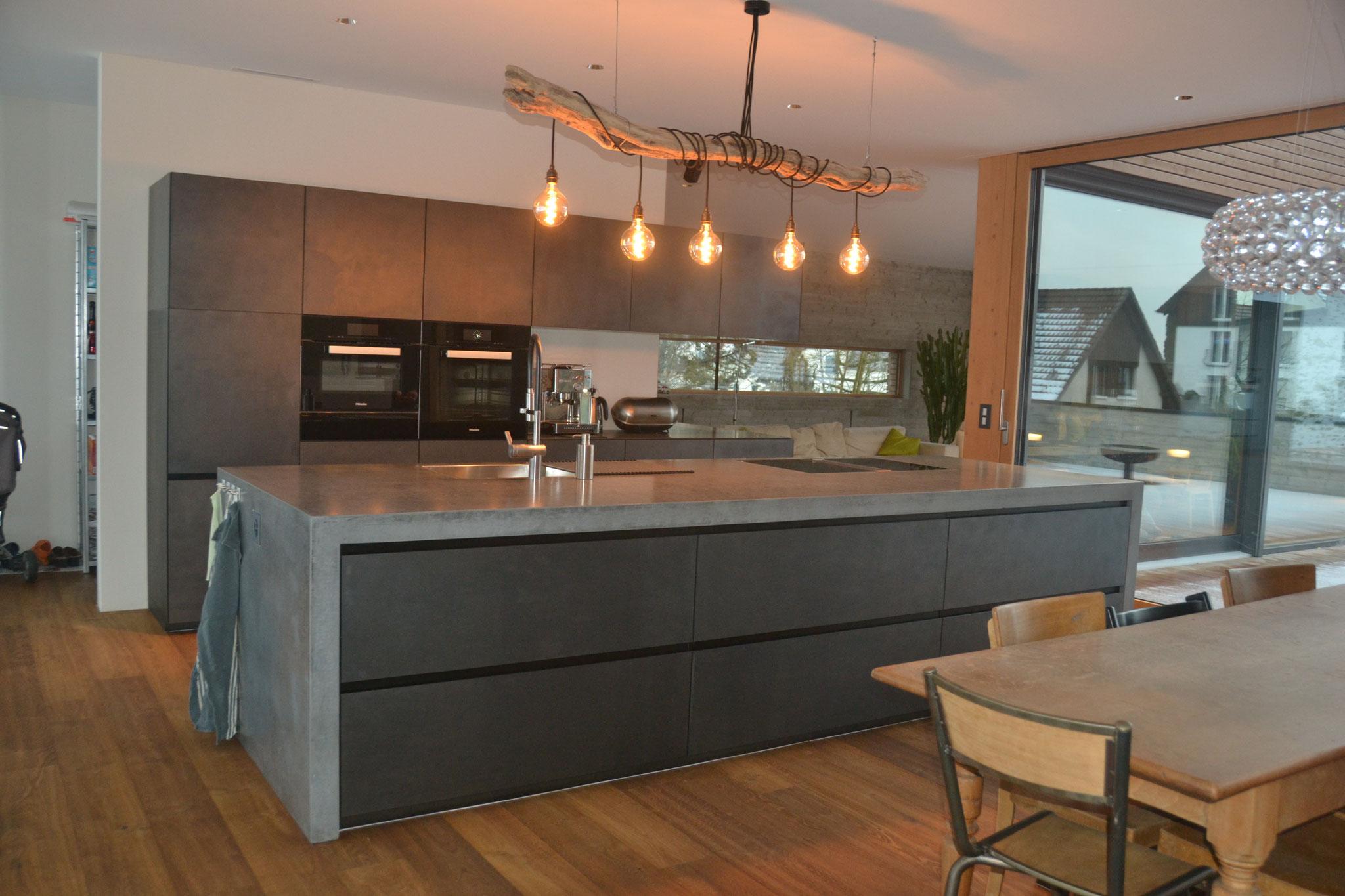 Betonküche - Nonnast raum&beton design