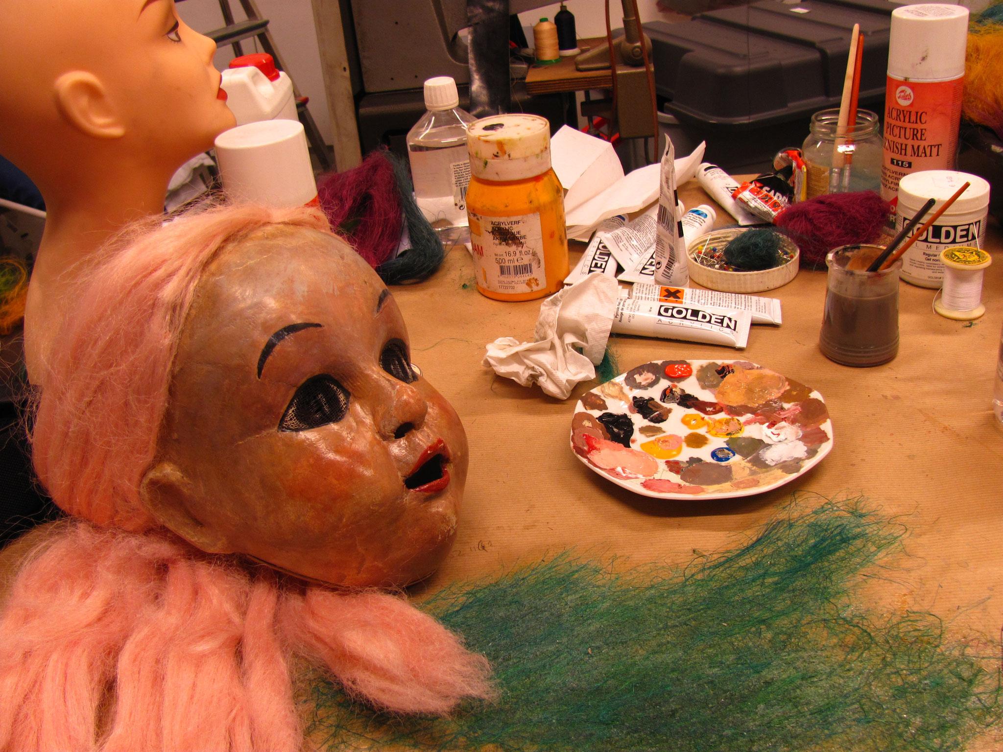 "Restauration des masques de ""Cendrillon"" Maguy Marin"