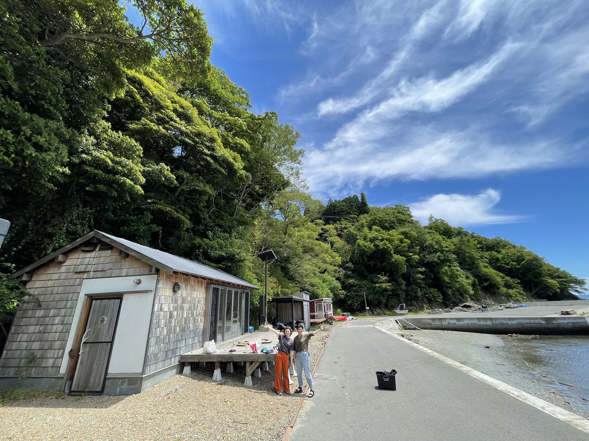 手作りの海小屋