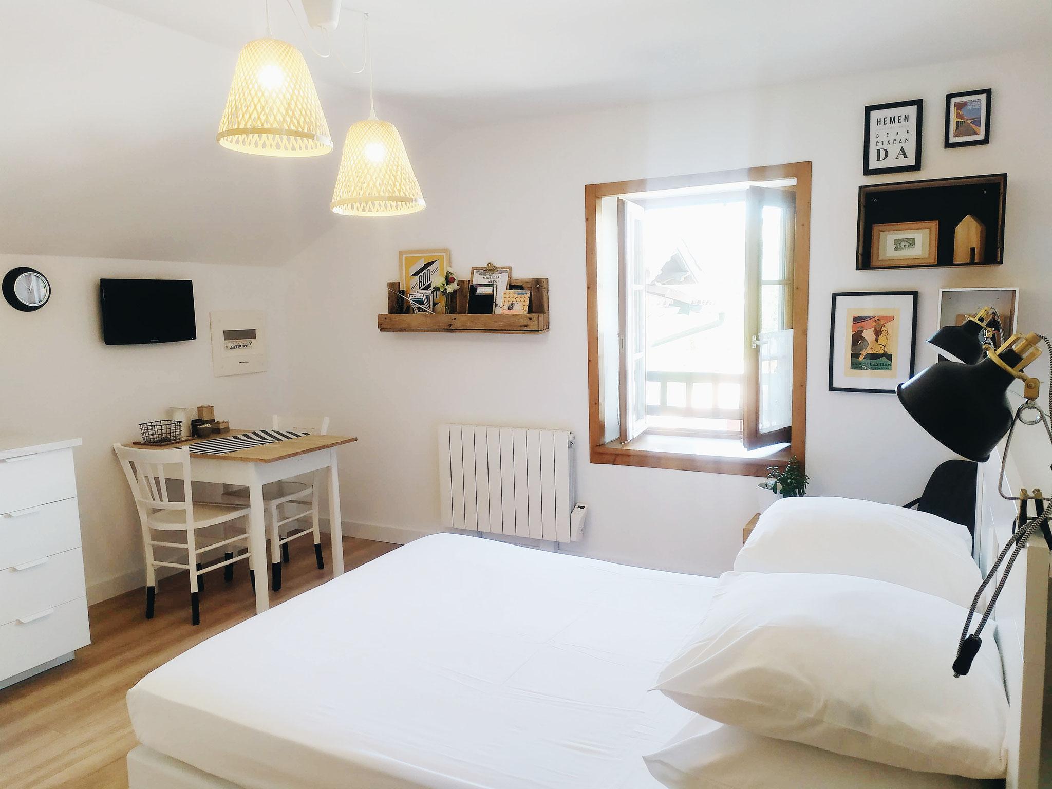 Haitzekoa - studio de vacances au pays basque - maison garroenea - sare
