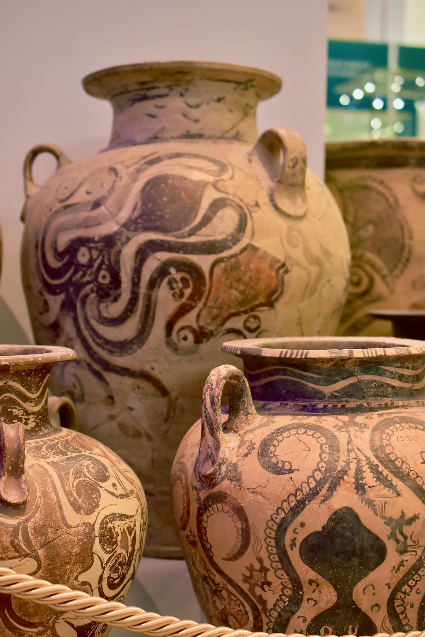 海と結びついた暮らしを想像できる海の生物のモチーフ(イラクリオン古代博物館貯蔵物)