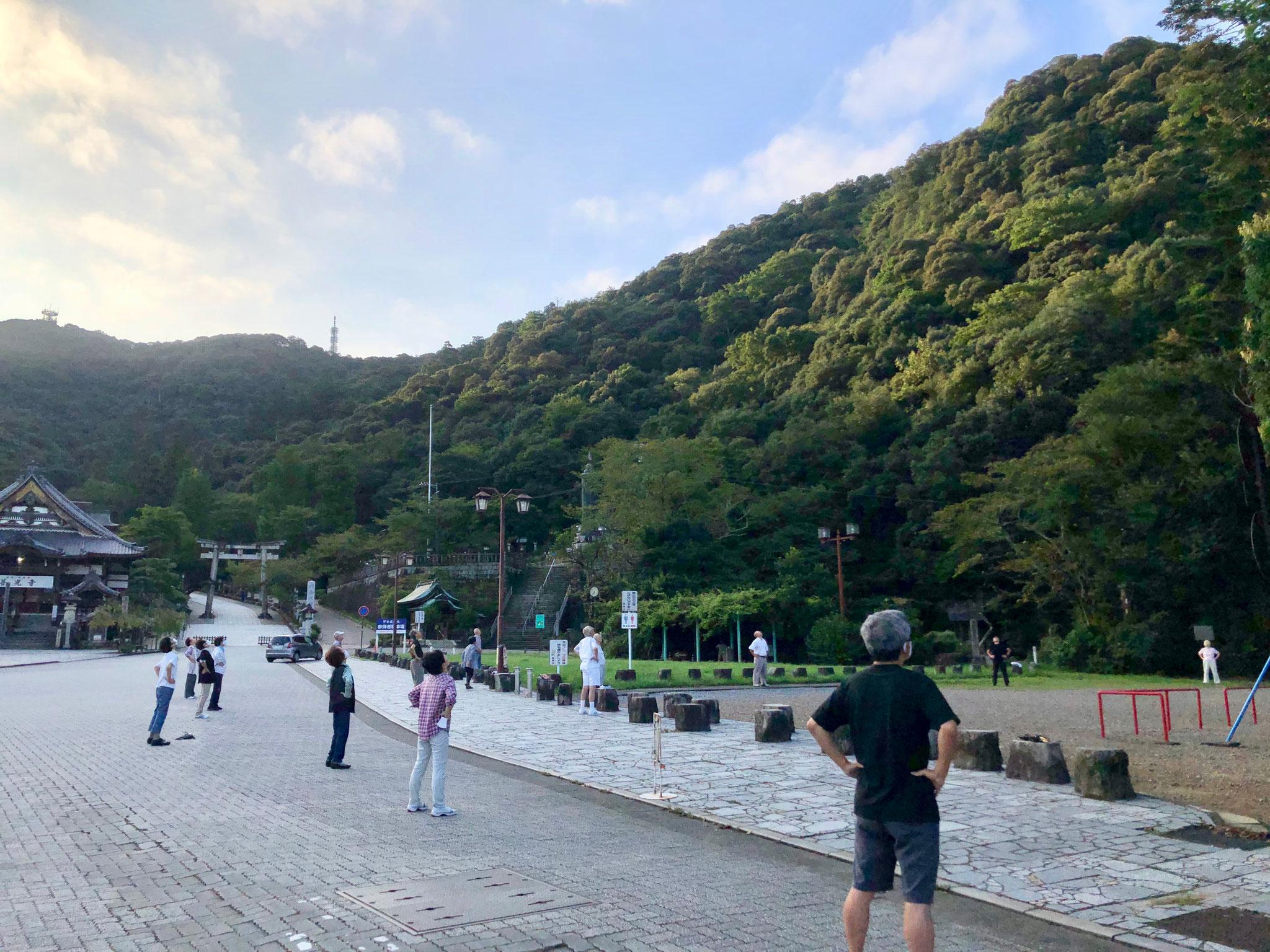 日本のラジオ体操は誰でも参加できる素晴らしい運動コミュニティ