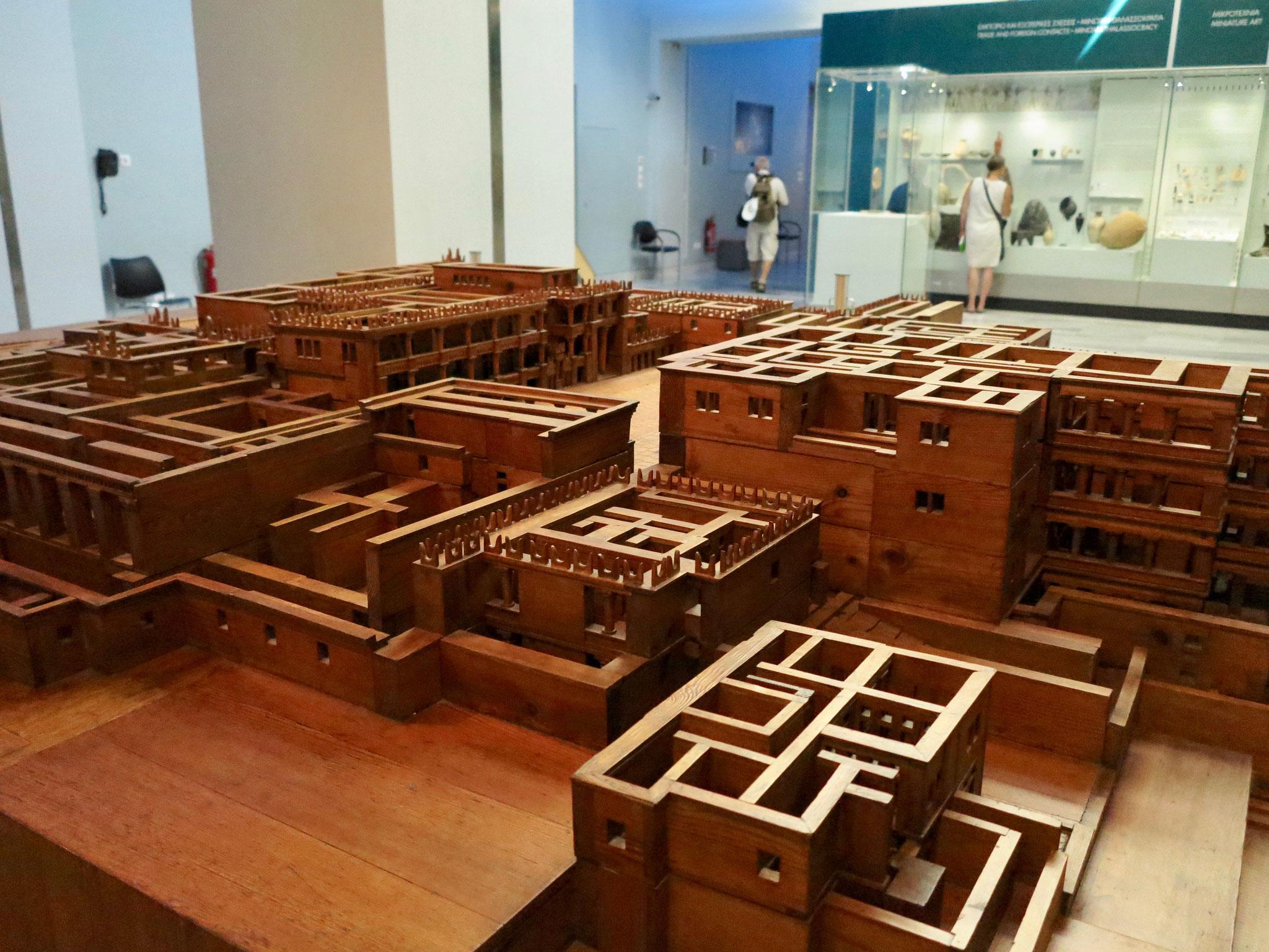 別名ラビリンスであったクノッソス宮殿の復元模型