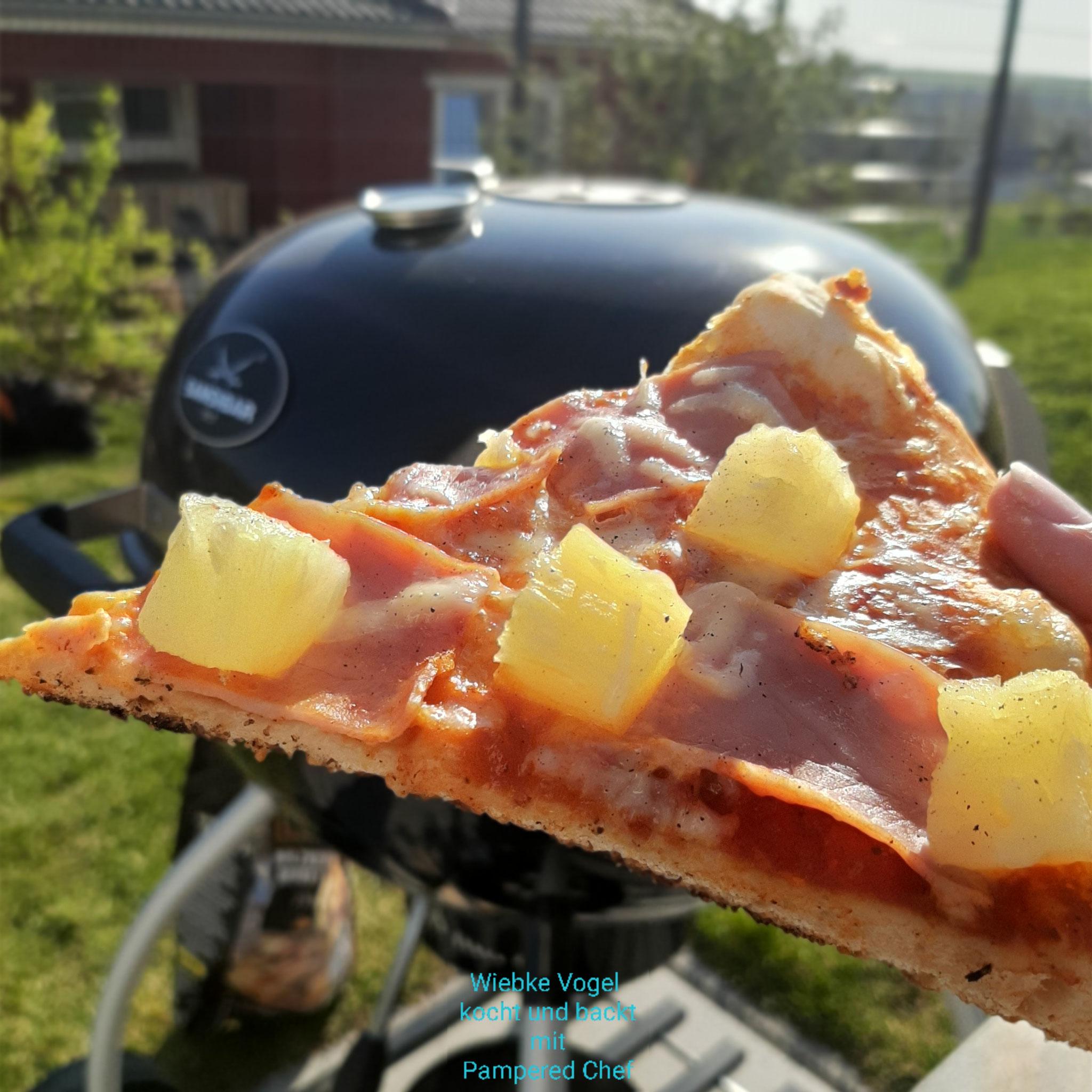 gegrillte Pizza vom Stein
