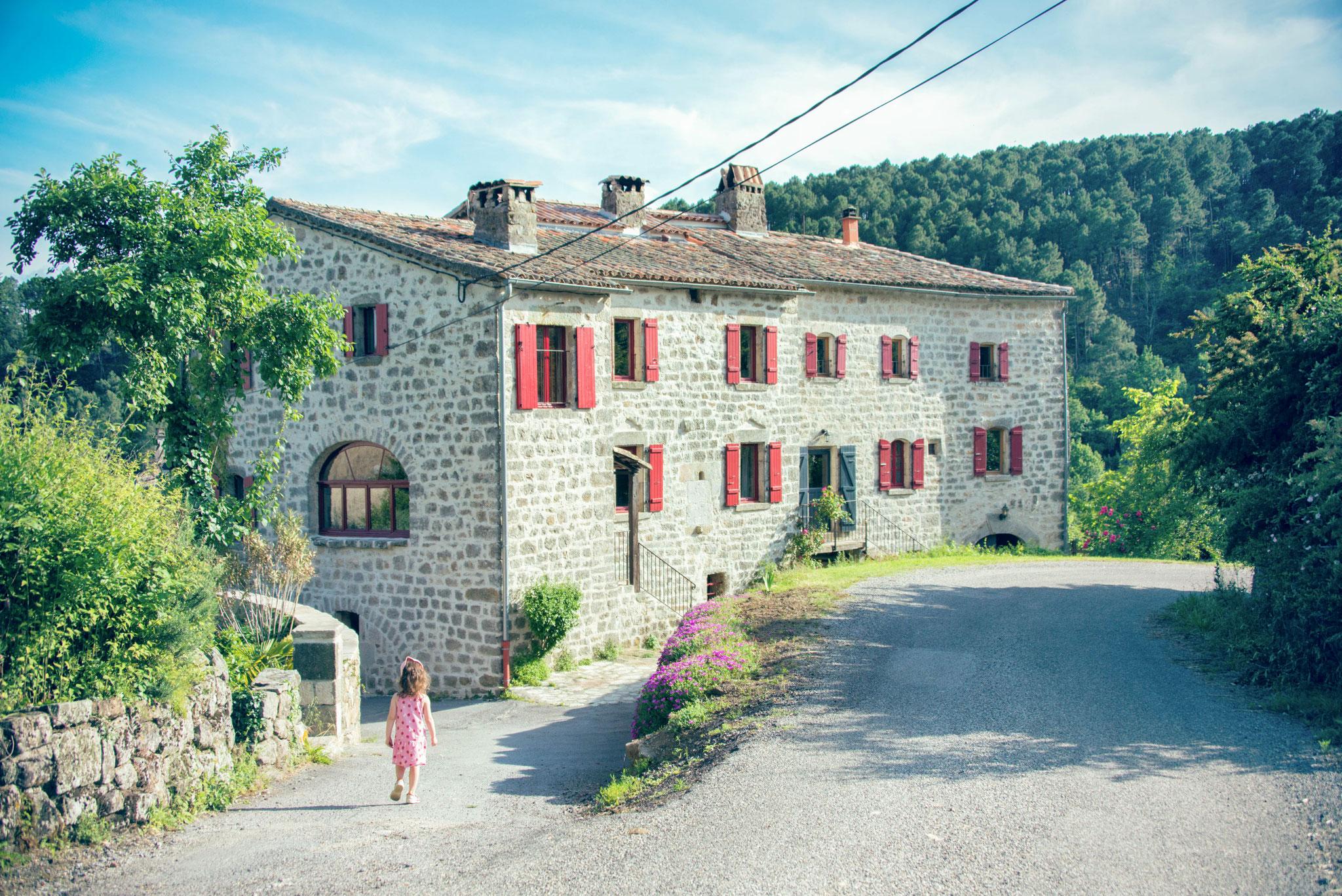 Bâtisse en pierre - Domaine du Fayet - Ardèche sud