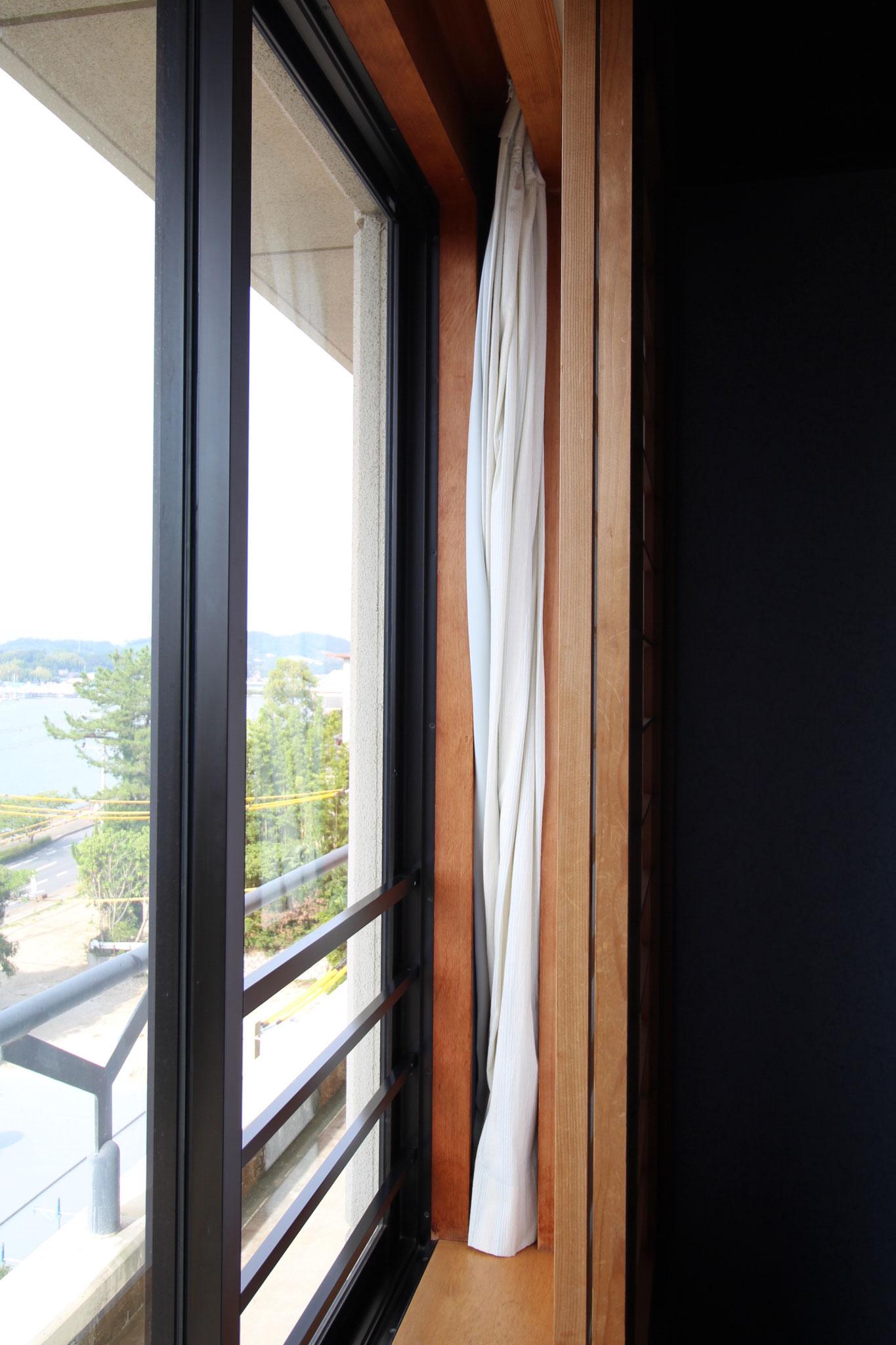 窓→カーテン→障子