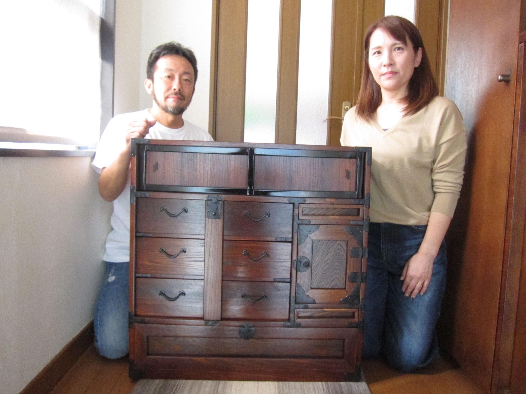 岐阜市より修理依頼の時代箪笥を納品してきました。