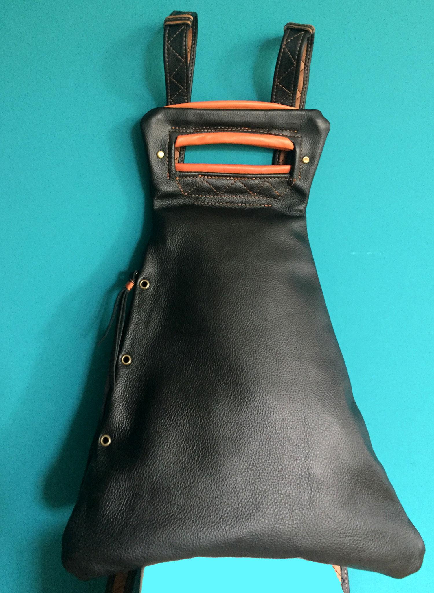 Lederrucksack schwarz. Nappaleder schwarz und braun