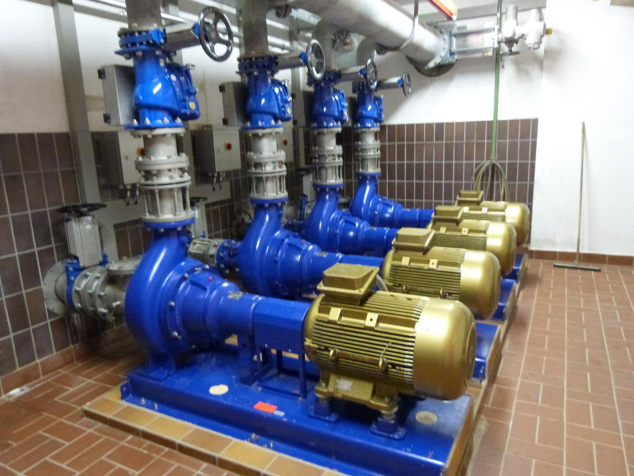 Abwasserpumpwerk mit IE4 Synchron-Reluktanz-Motoren