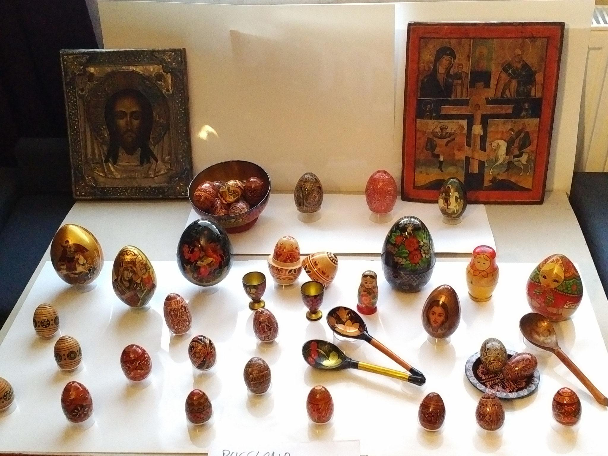 Vorbereitung und Planung einer Ausstellung (Hier russische Ostereier)