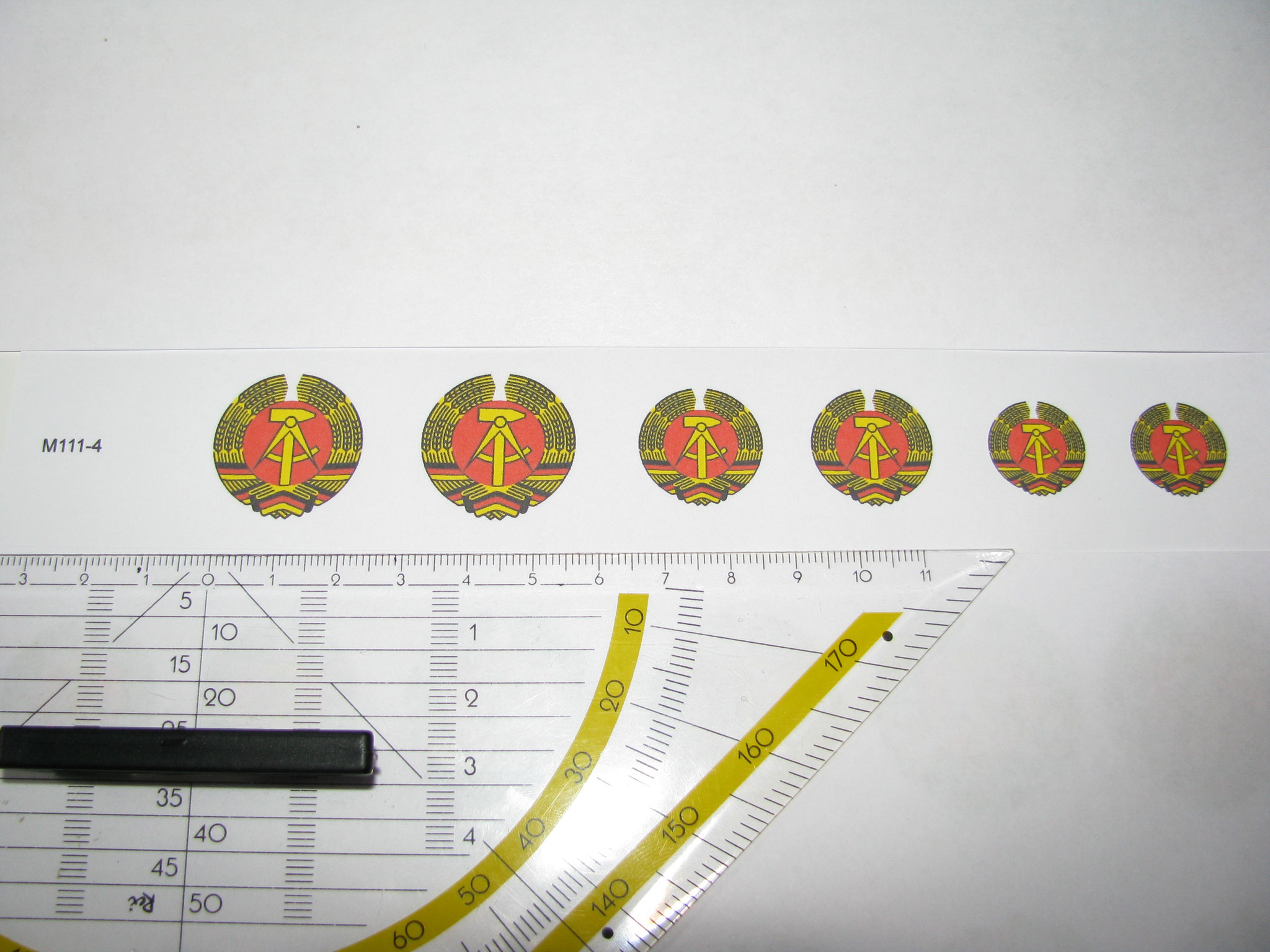 M111-4: DDR Wappen. 6 Decals. Max 25x25mm