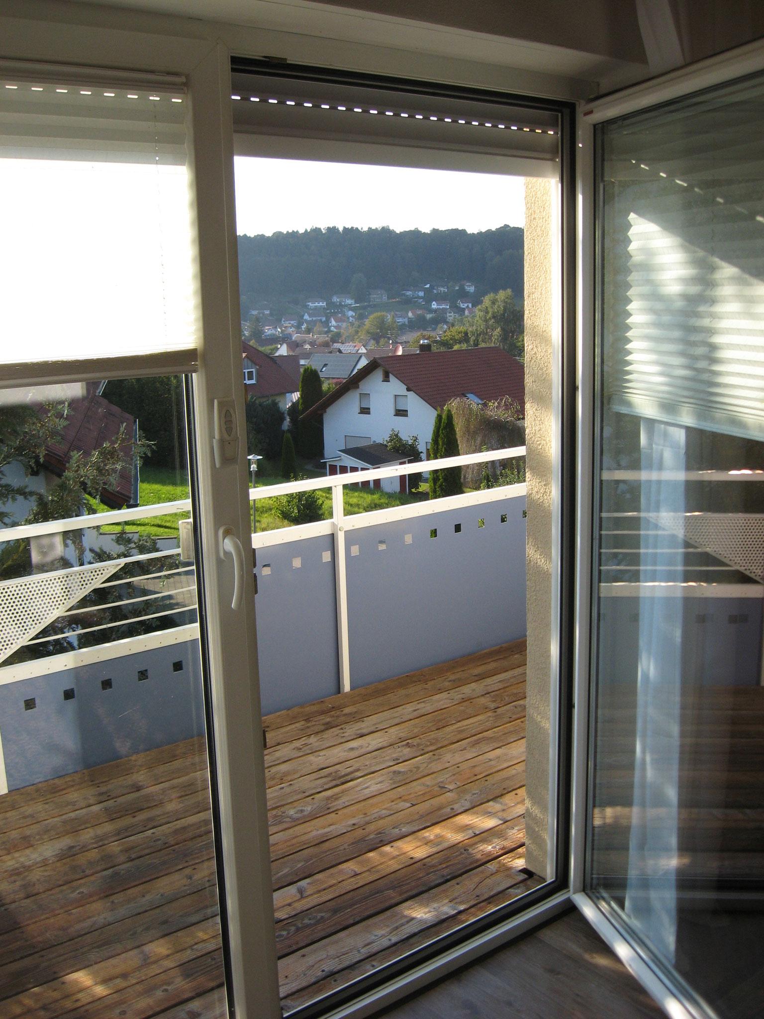 Großer Balkon mit Blick über Eberhardzell