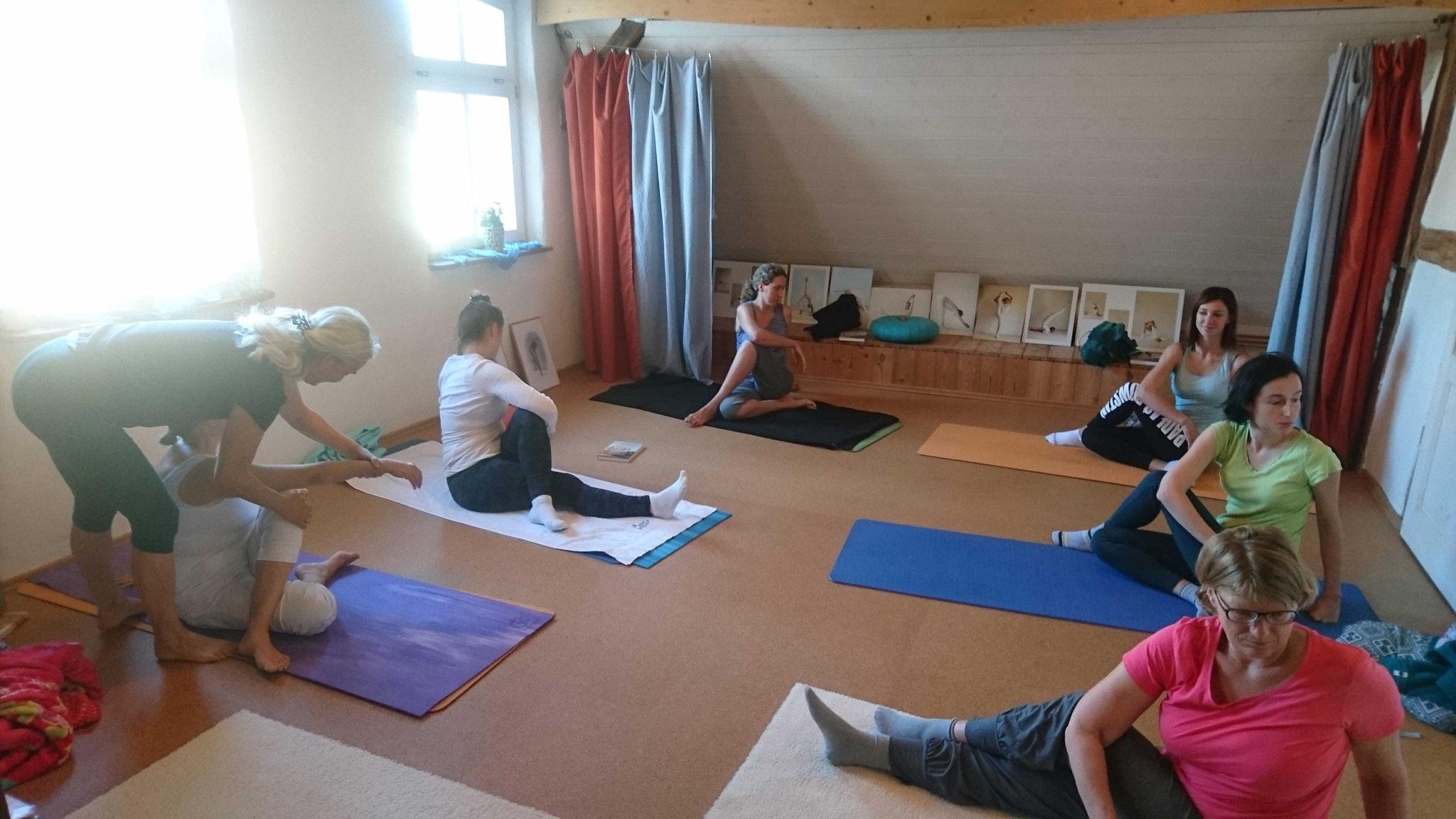 Yoga Übungsstunde
