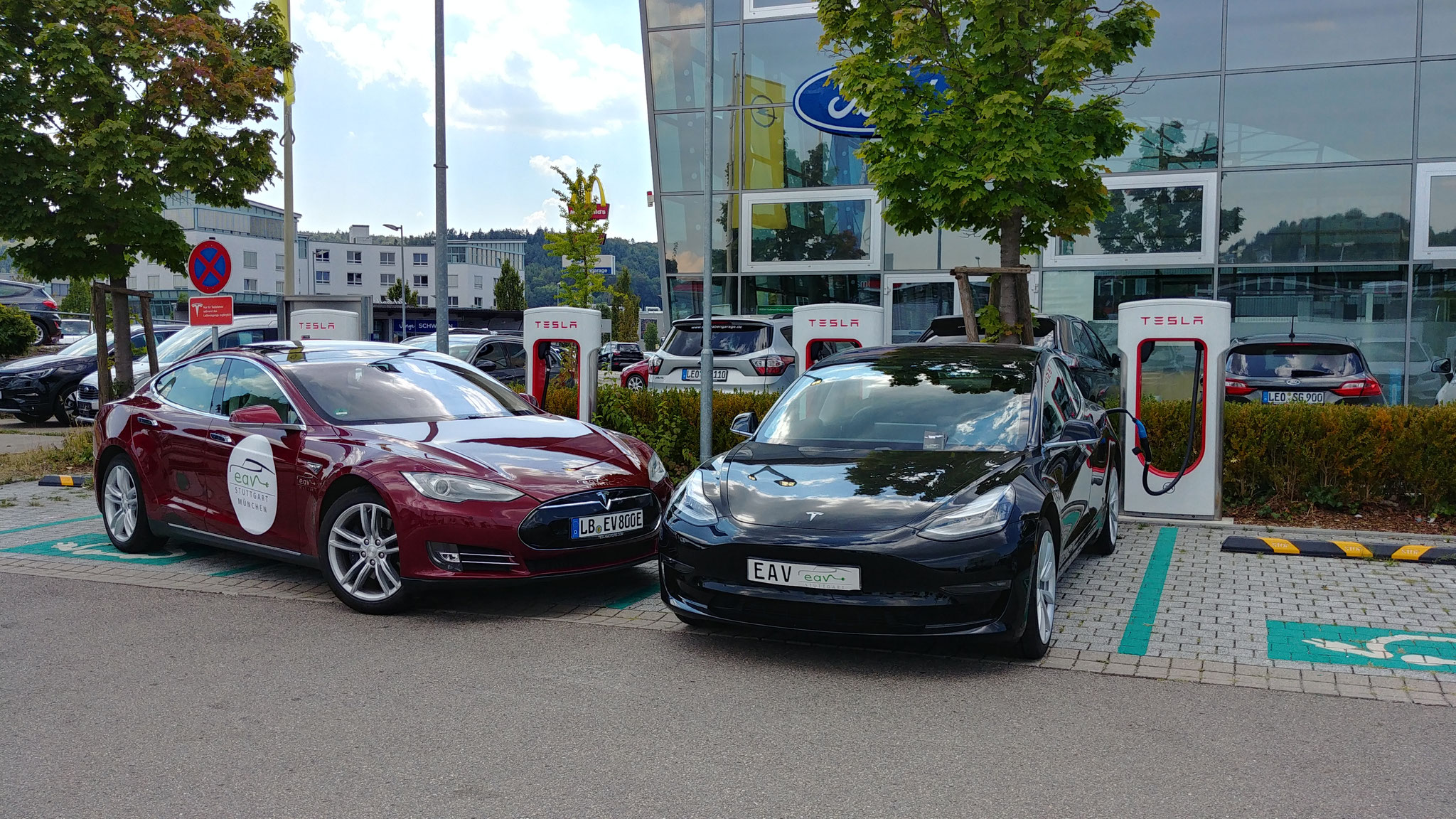 Kann das US-Model 3 an einem EU-Supercharger laden?
