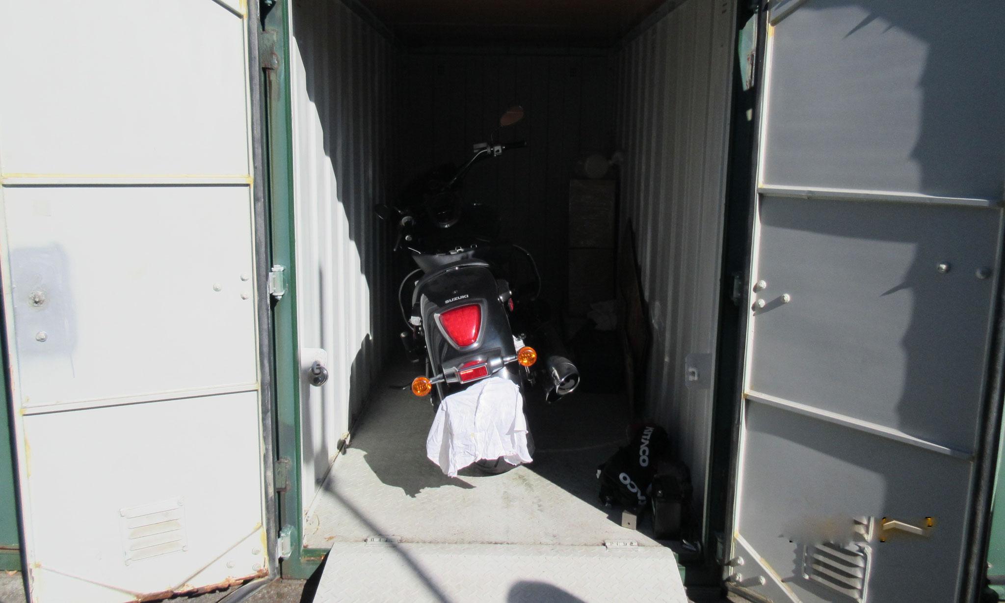 バイク専用ボックス 収納例1