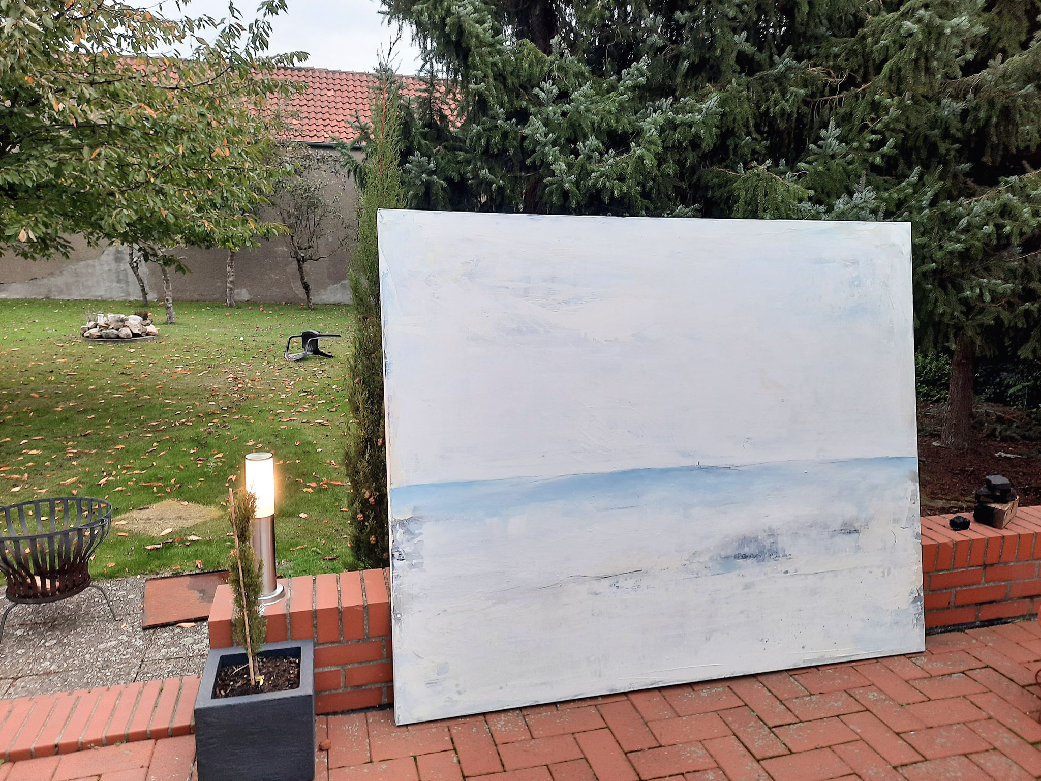 weiss blaues Landschaftsbild