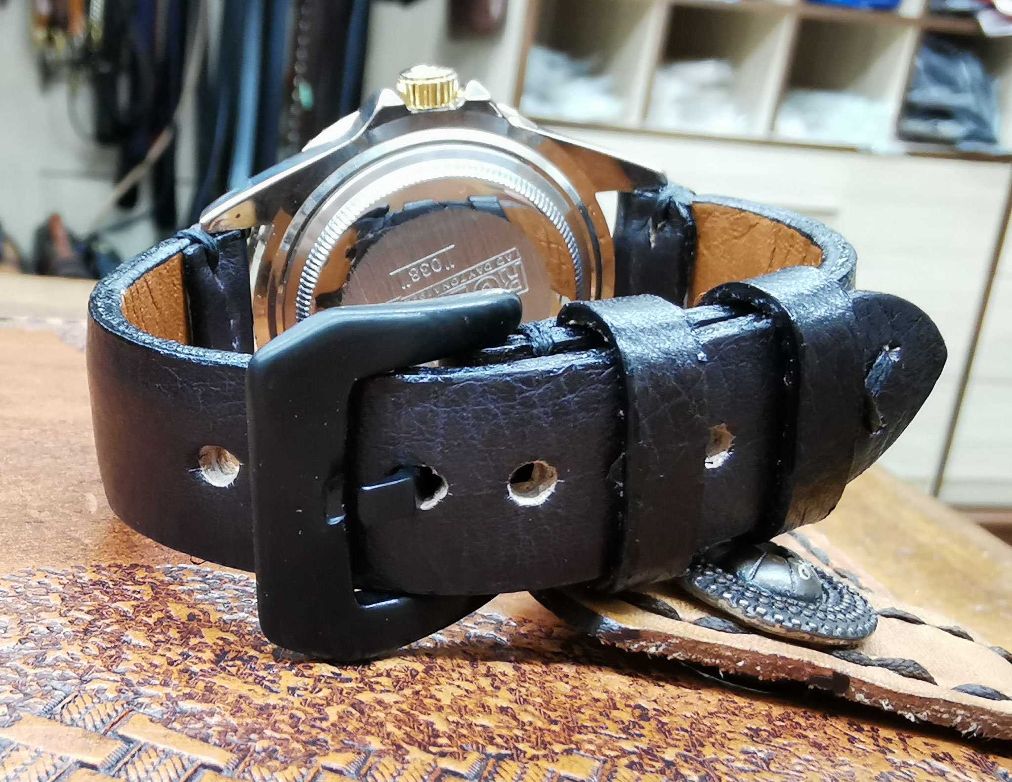 cinturino nero vintage