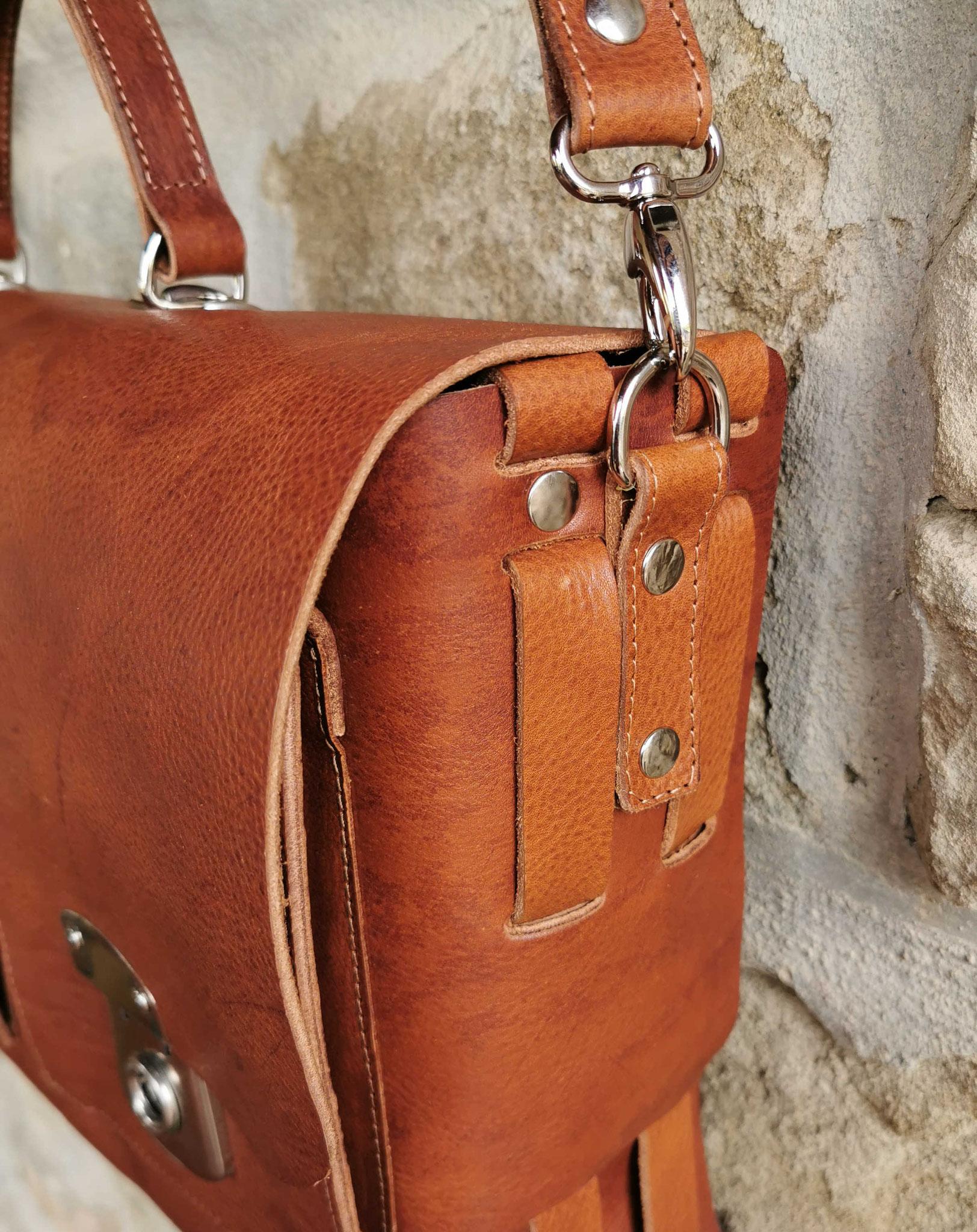 borsa in cuoio marrone