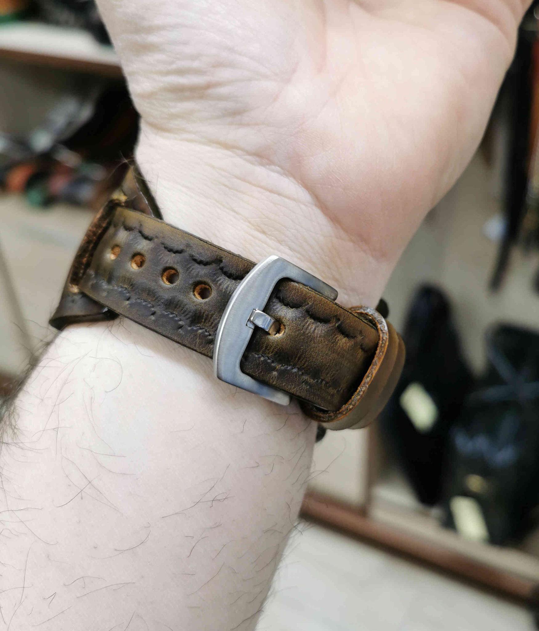 cinturino marrone scuro