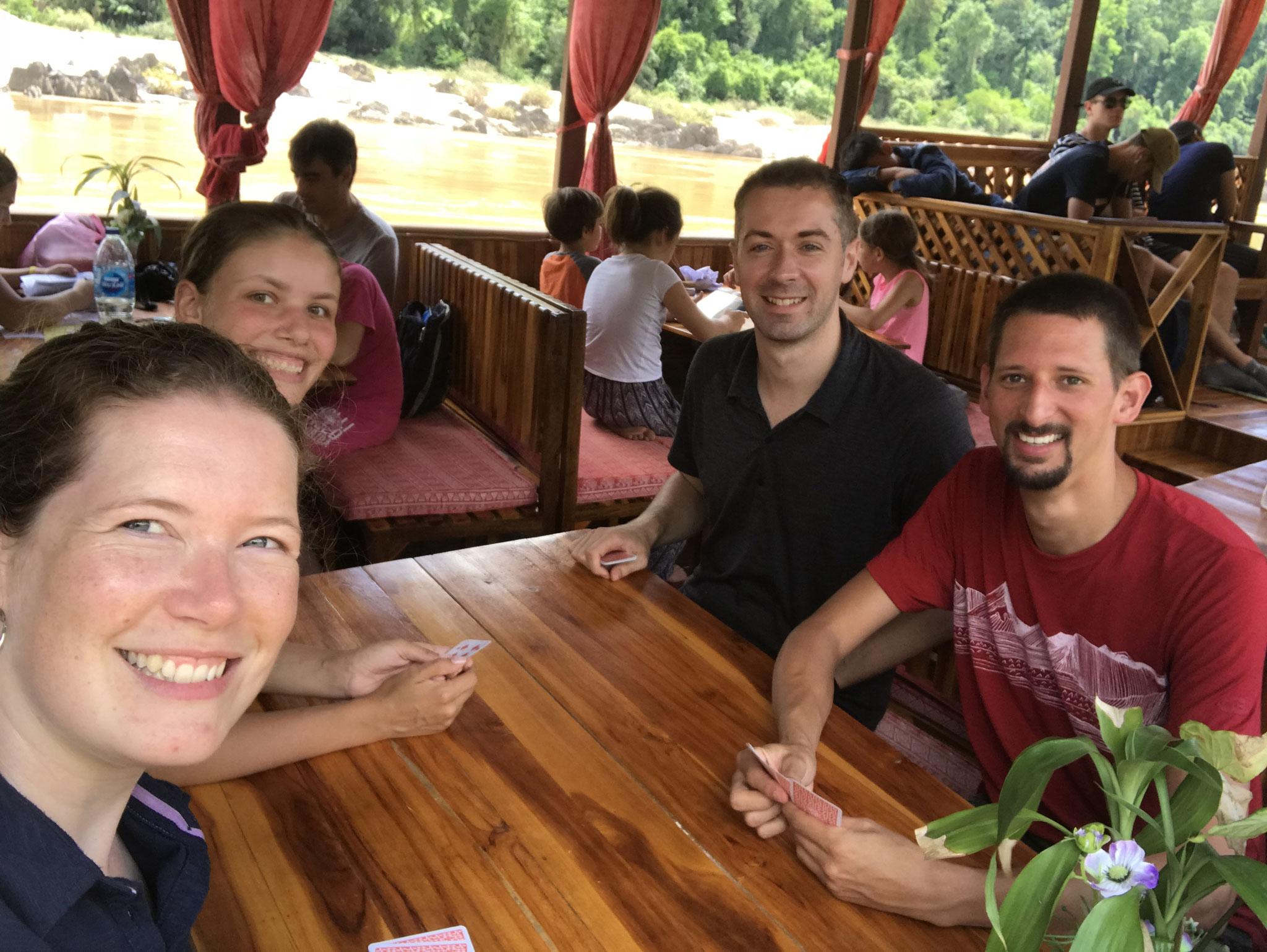 Jassen mit Vanessa und Rico auf dem Mekong