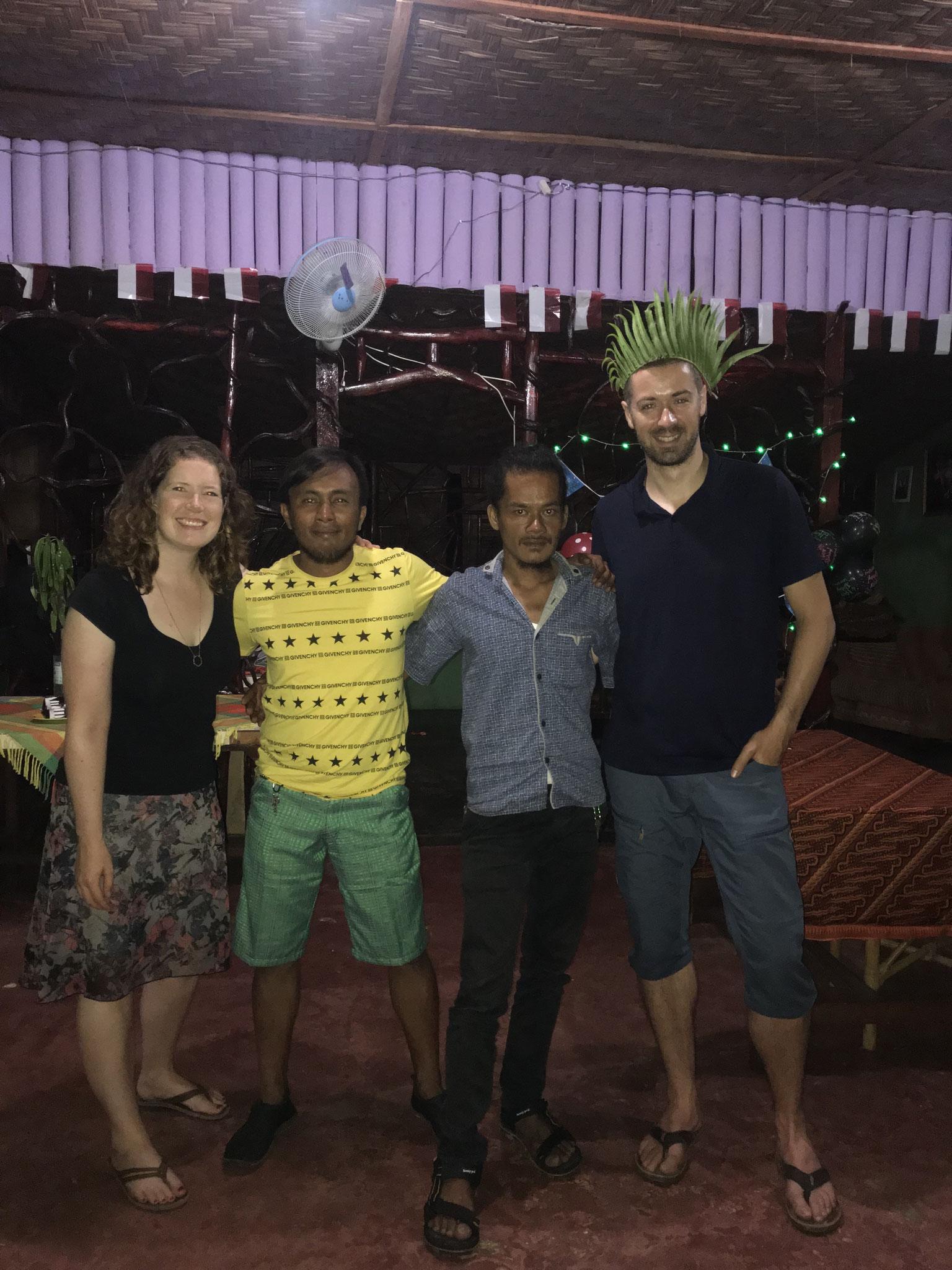 Mit Guide Tondi und Samsul, der für unser leibliches Wohl gesorgt hat.