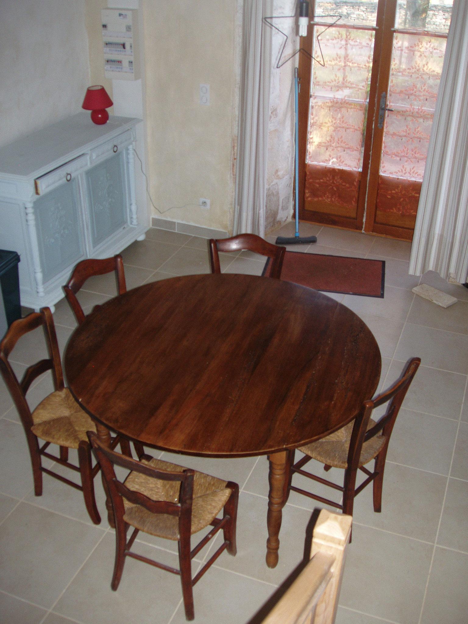 Salle à manger dans cuisine