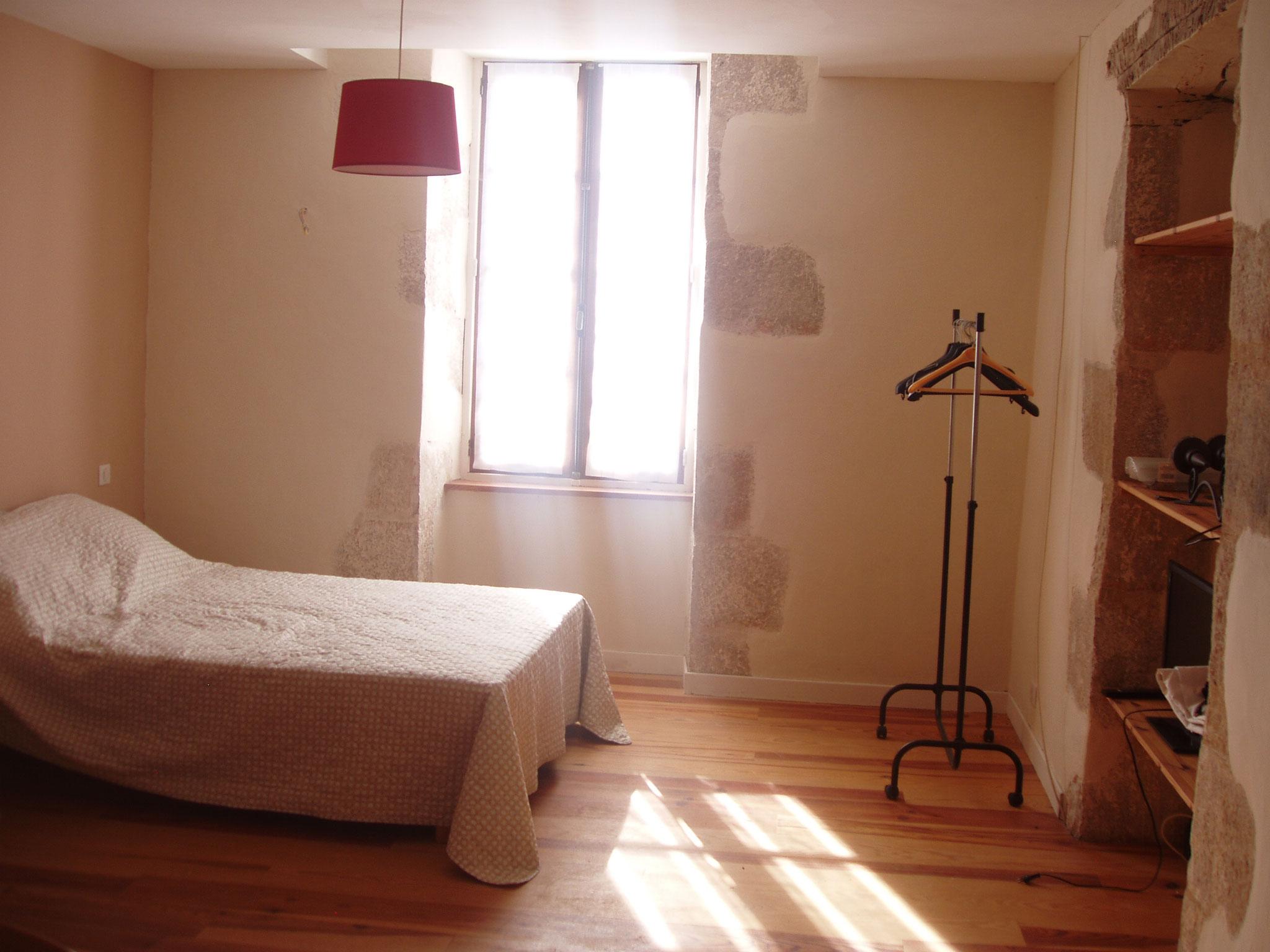 Grande chambre 2 lits