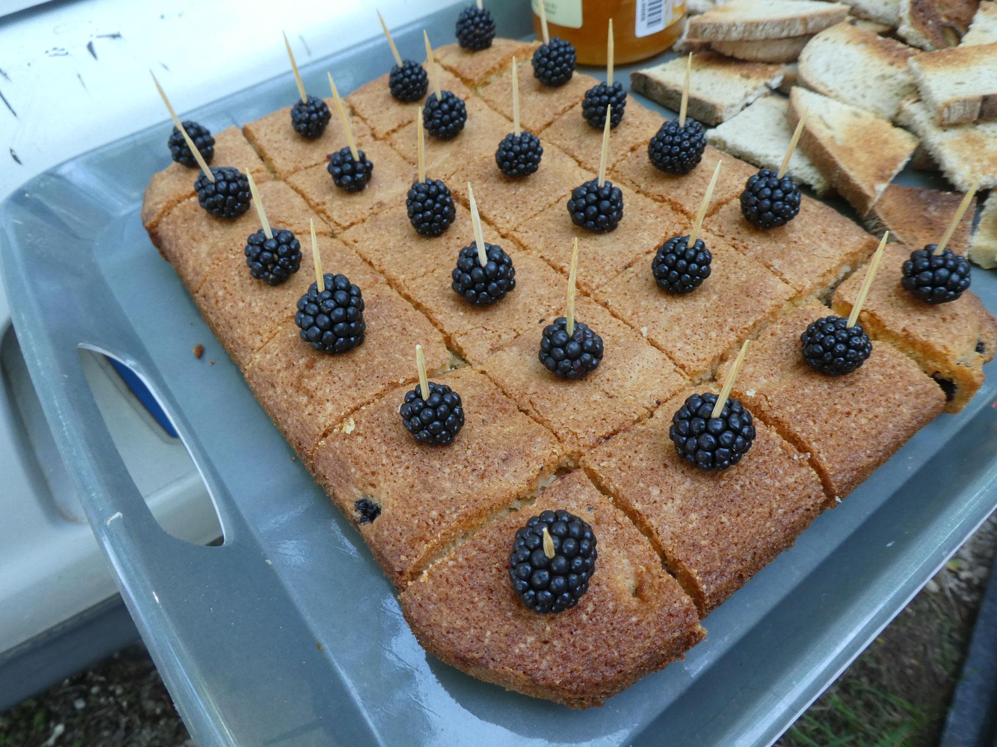 Gâteau aux mûres (fait maison)