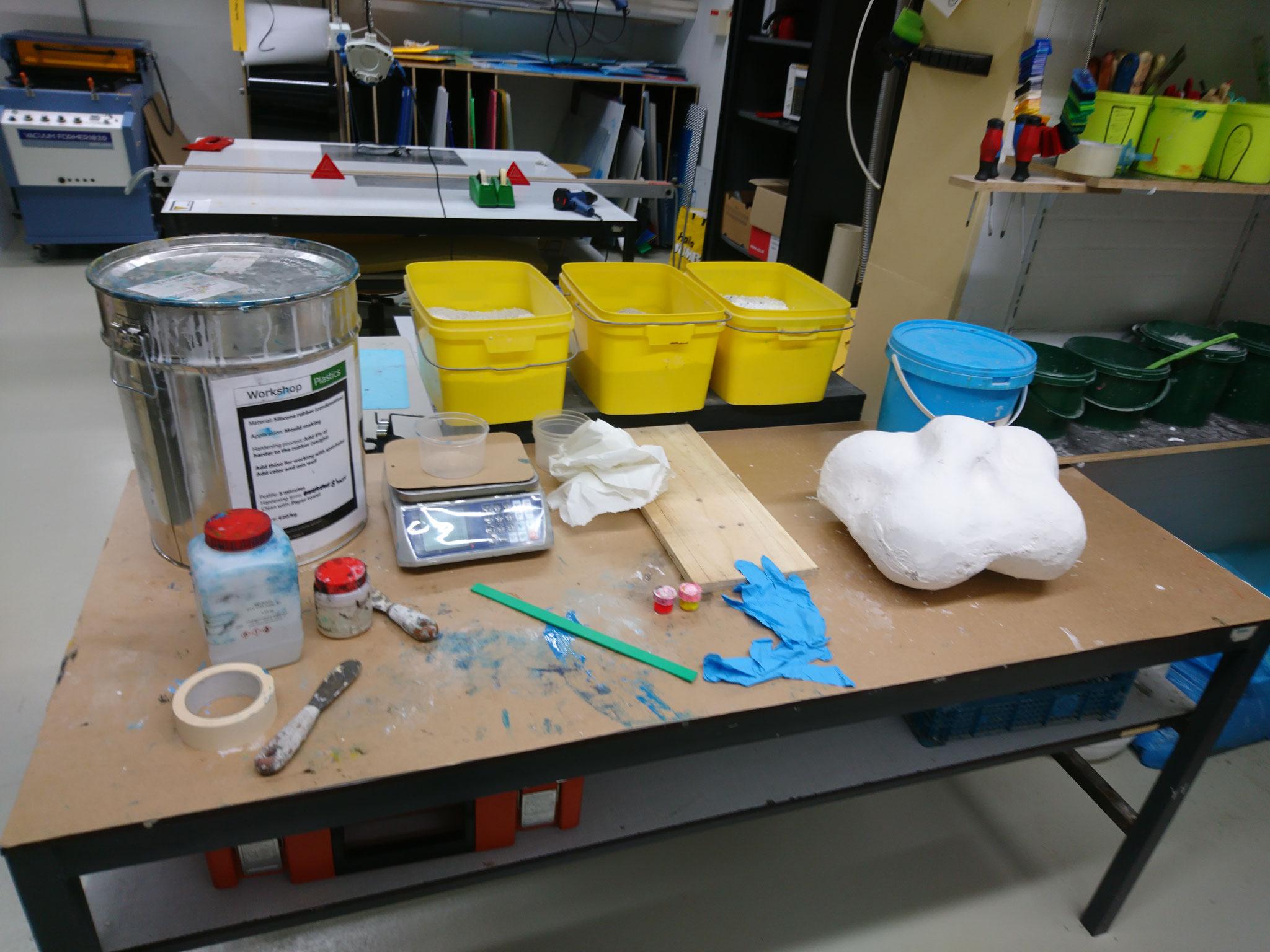 Experiments at the plastic workshop