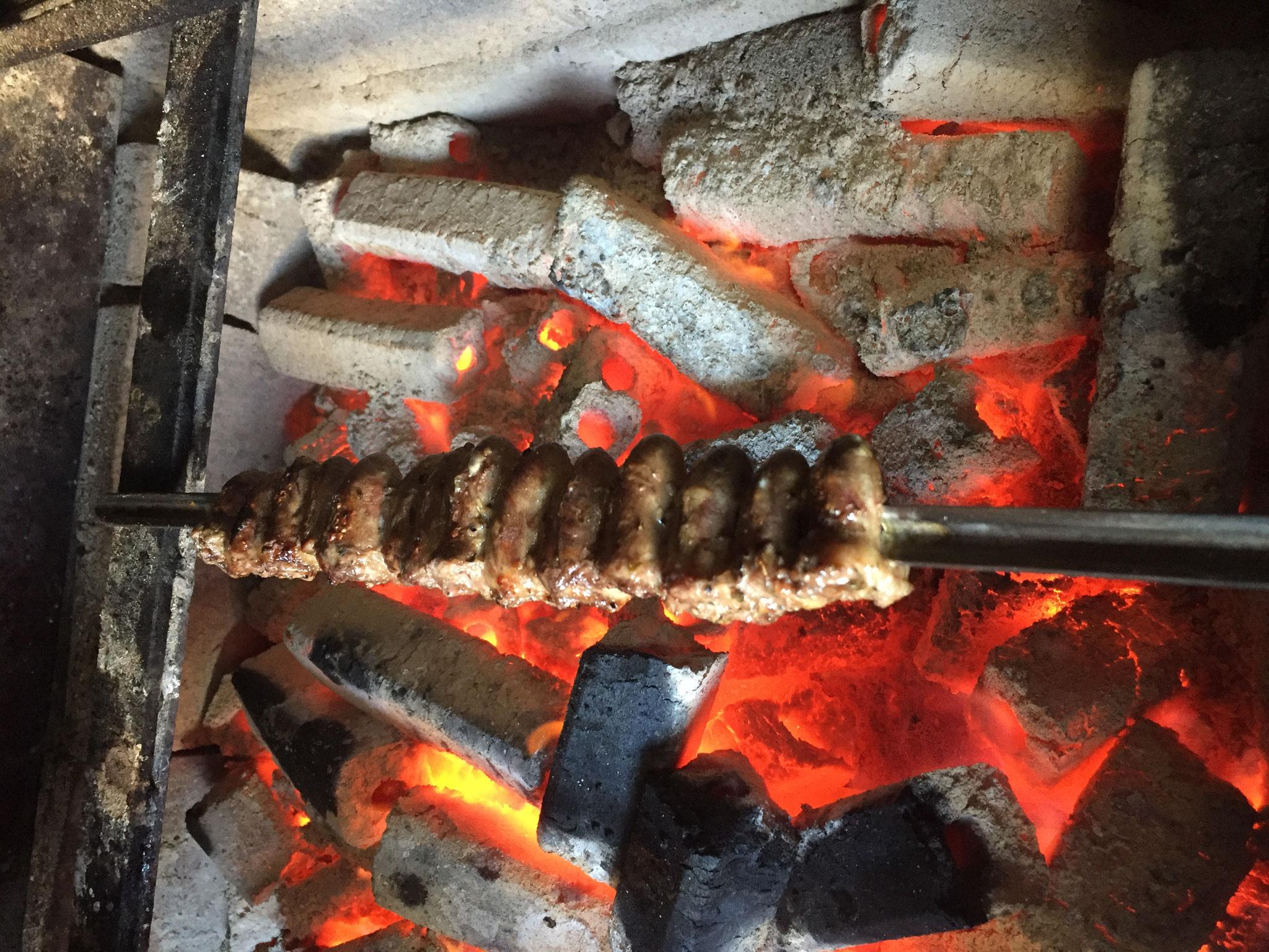 秘伝のたれに漬け込んで焼いた鶏ハツ は臭みがない
