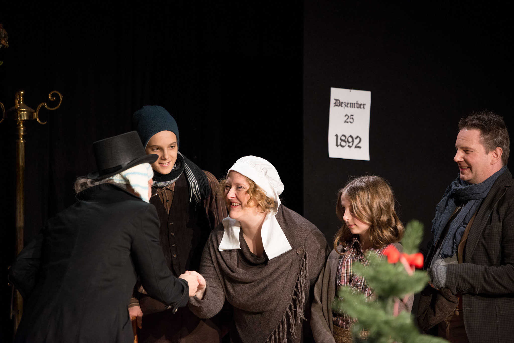 2019: Mrs. Cratchit in Fröhliche Weihnachten, Mr. Scrooge