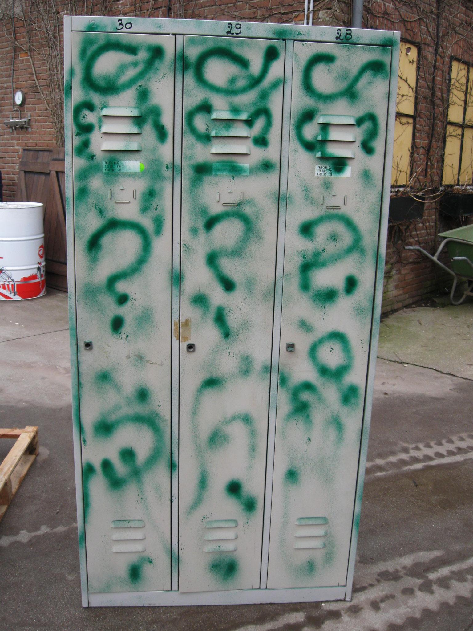 14. Lockerkast 3-deur - van € 175,- voor € 100,-