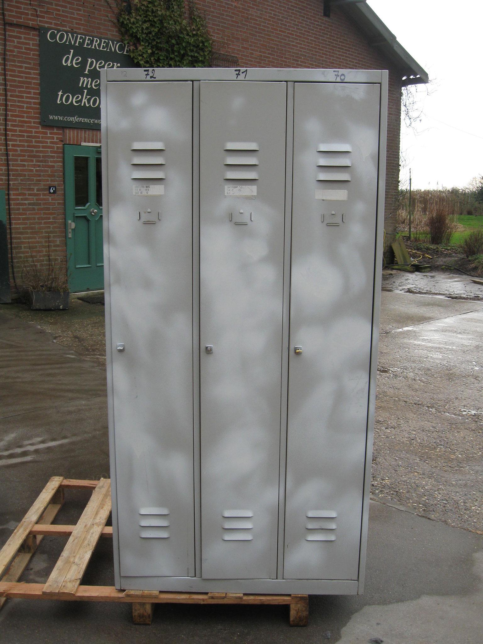 3. Lockerkast 3-deur - van € 175,- voor € 100,-
