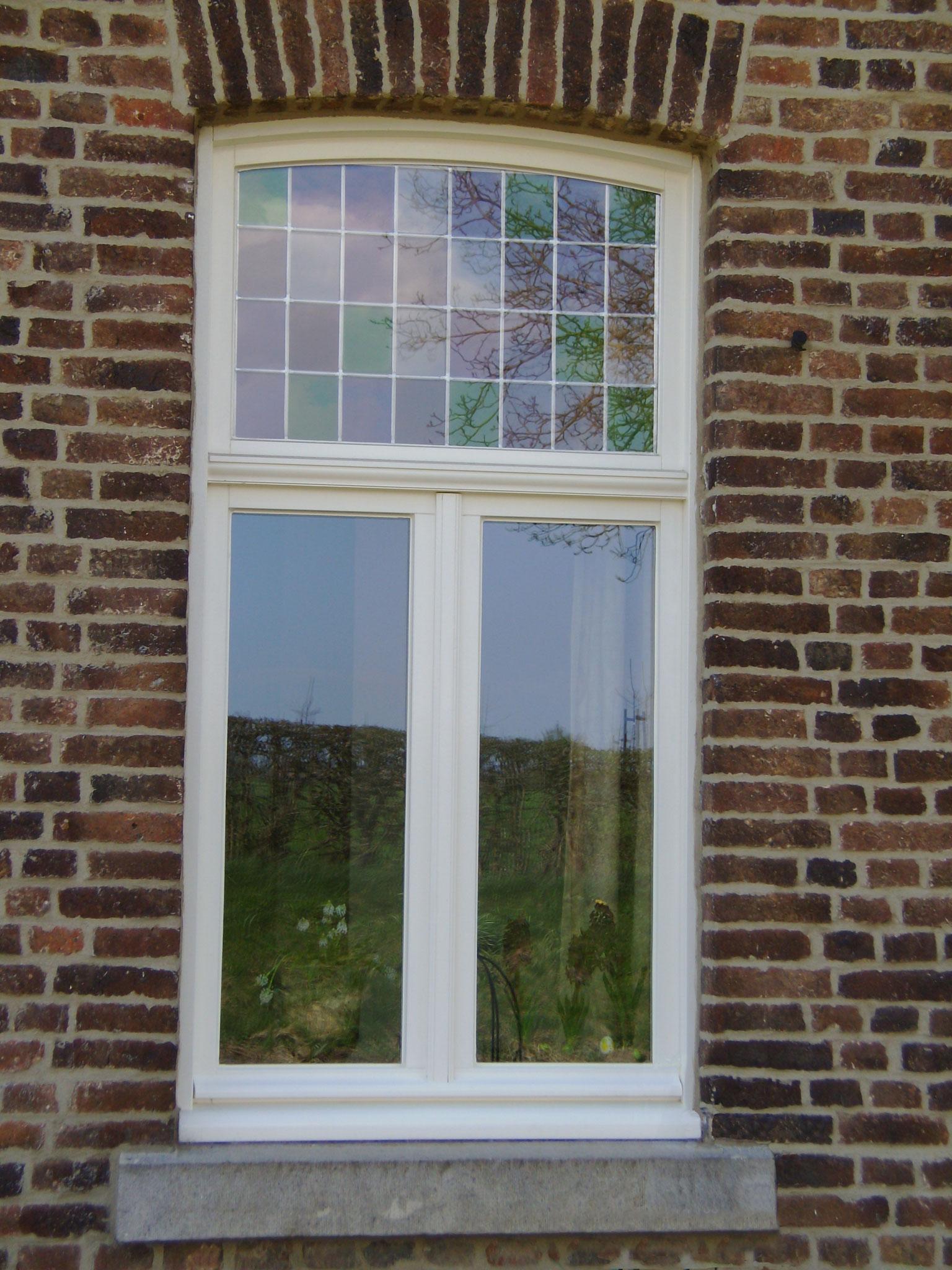houten raam in Moerslag