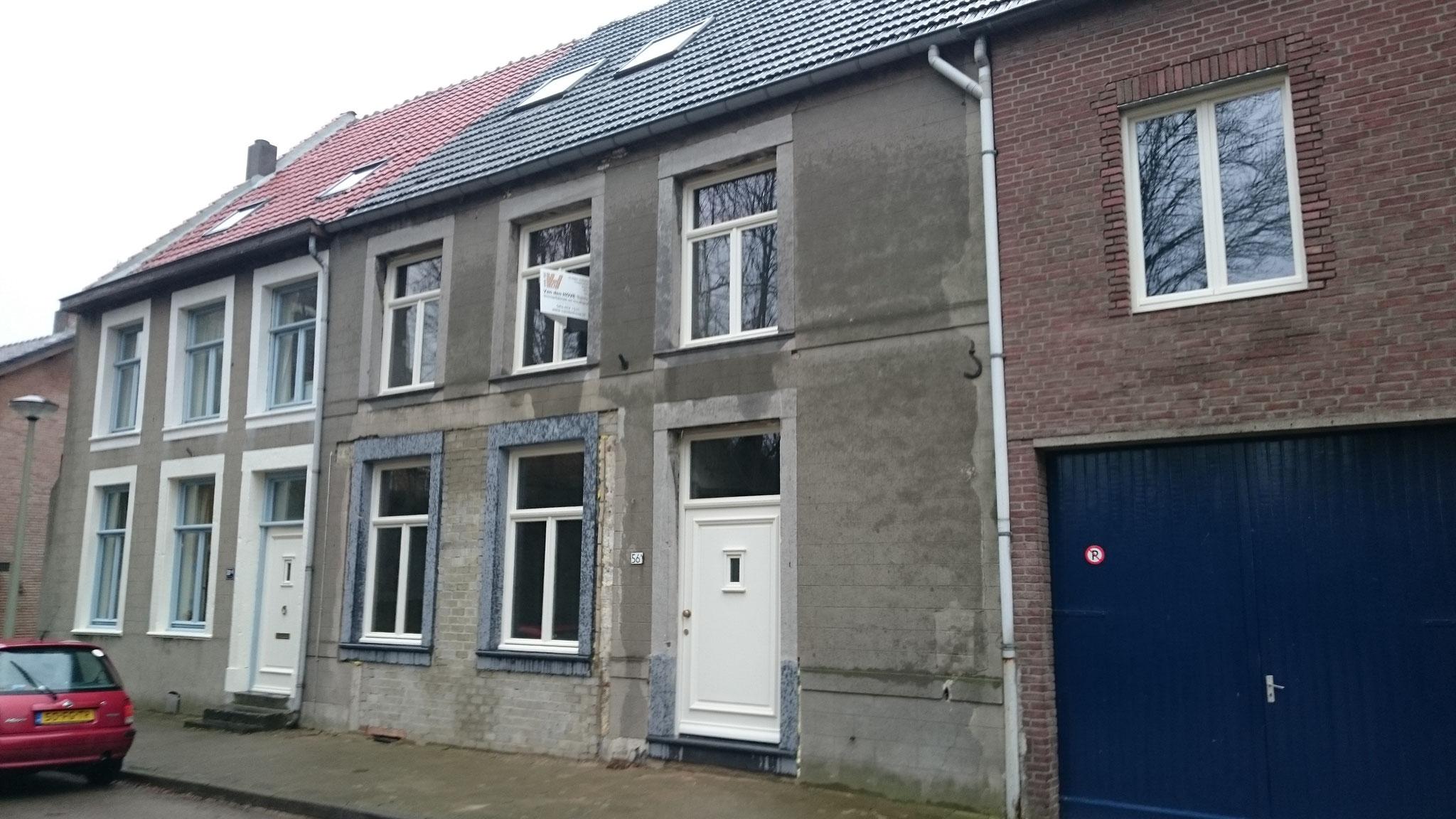 houten ramen en voordeur in Maastricht-Caberg