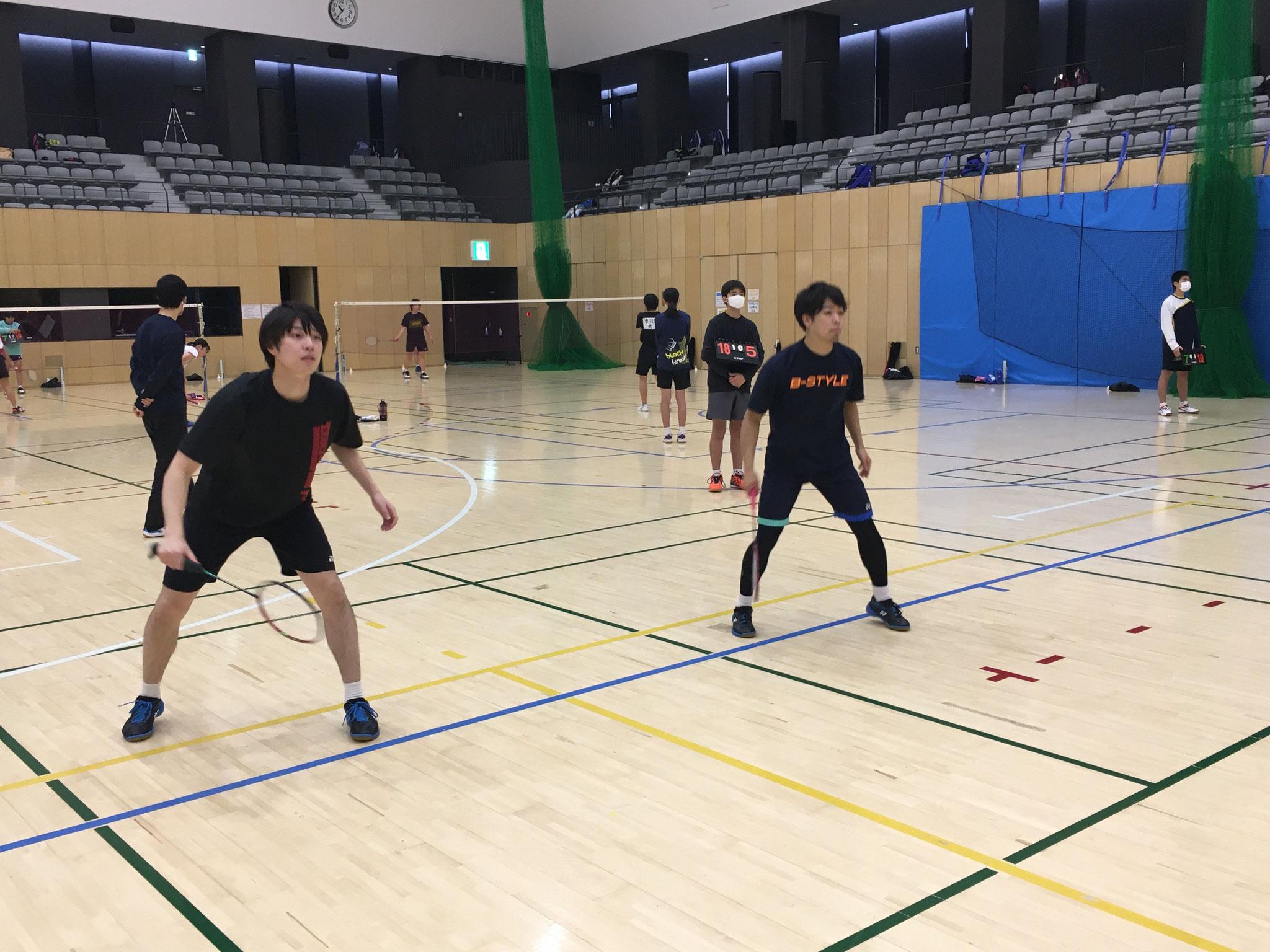 左)武井選手🏸 & 右)山根選手🏸