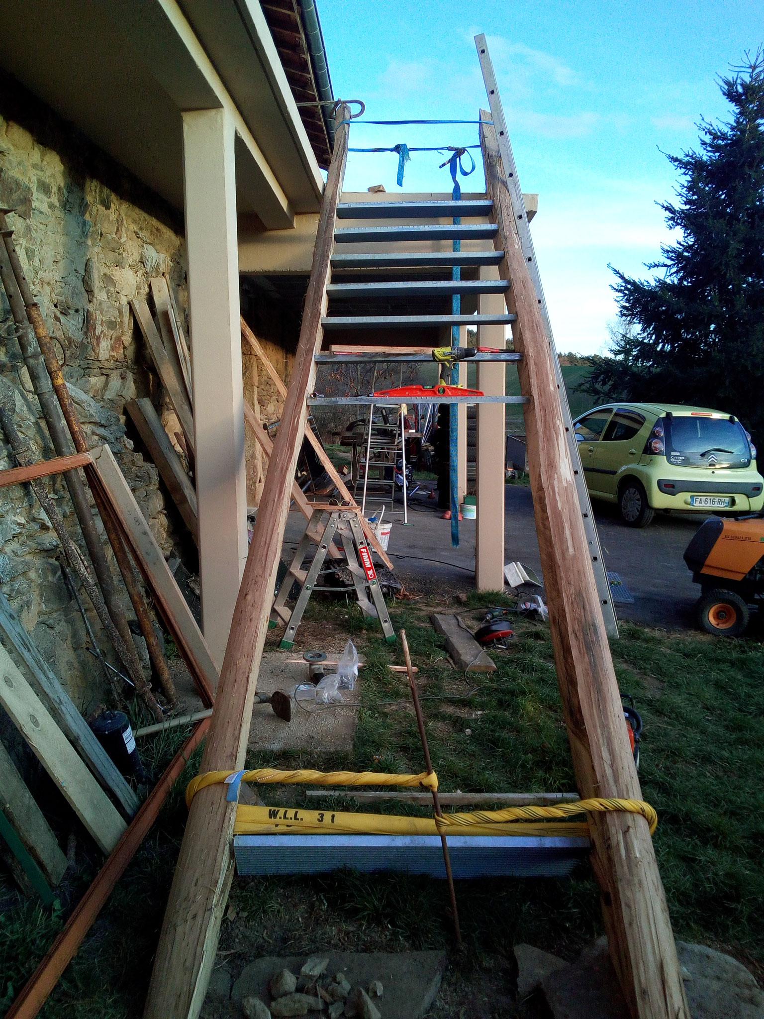 Avril-Mai 2019 : réalisation de l'escalier extérieur