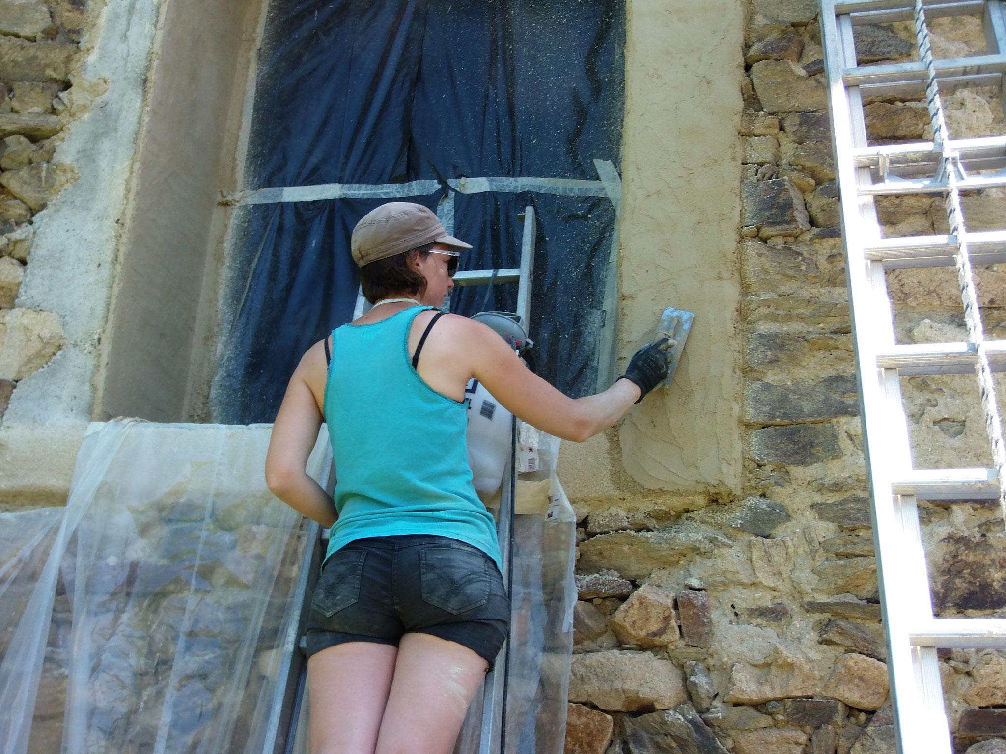Juin 2019 : crépis des encadrement de porte fenêtre
