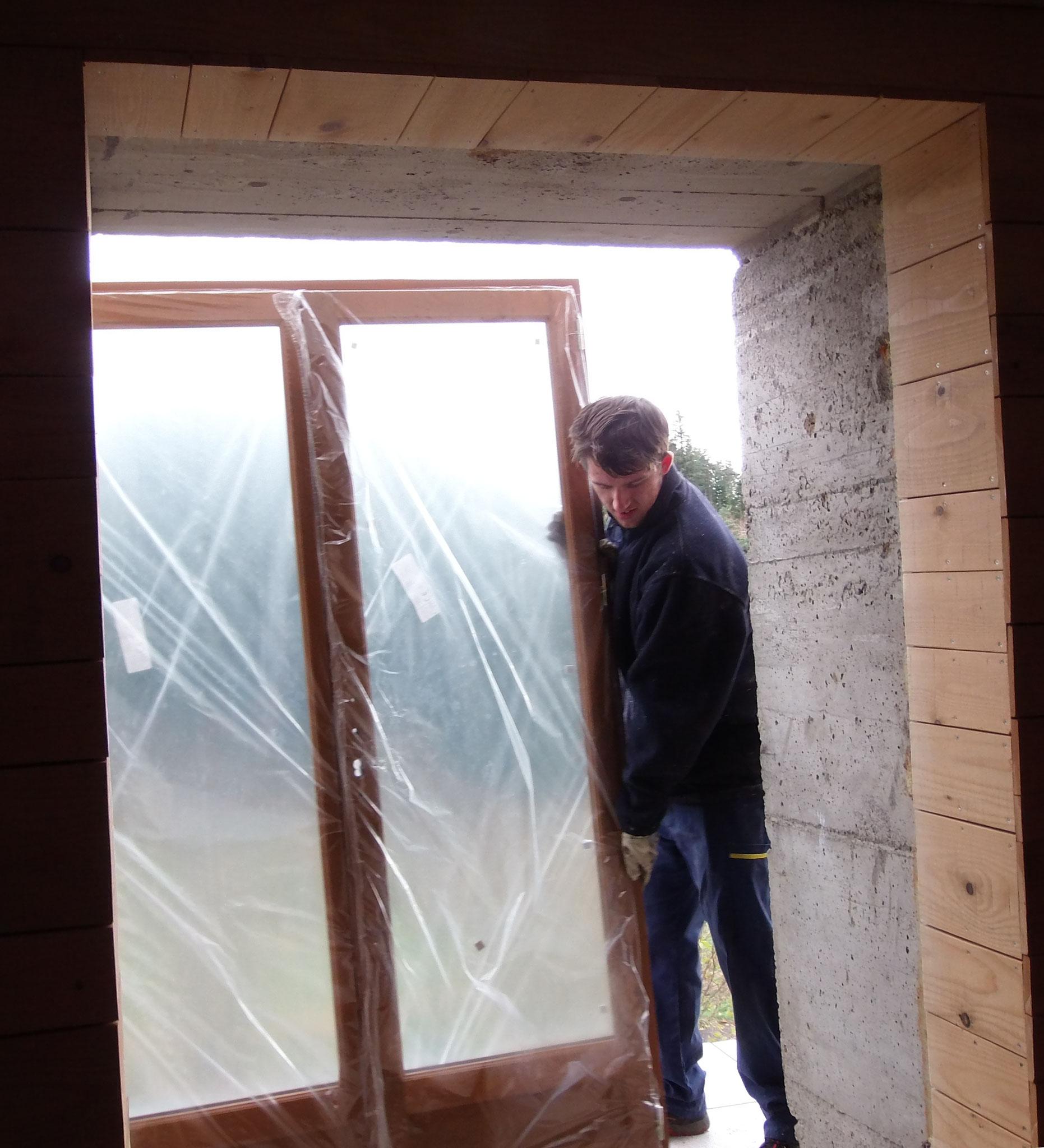 Novembre : remplacement de la porte d'entrée