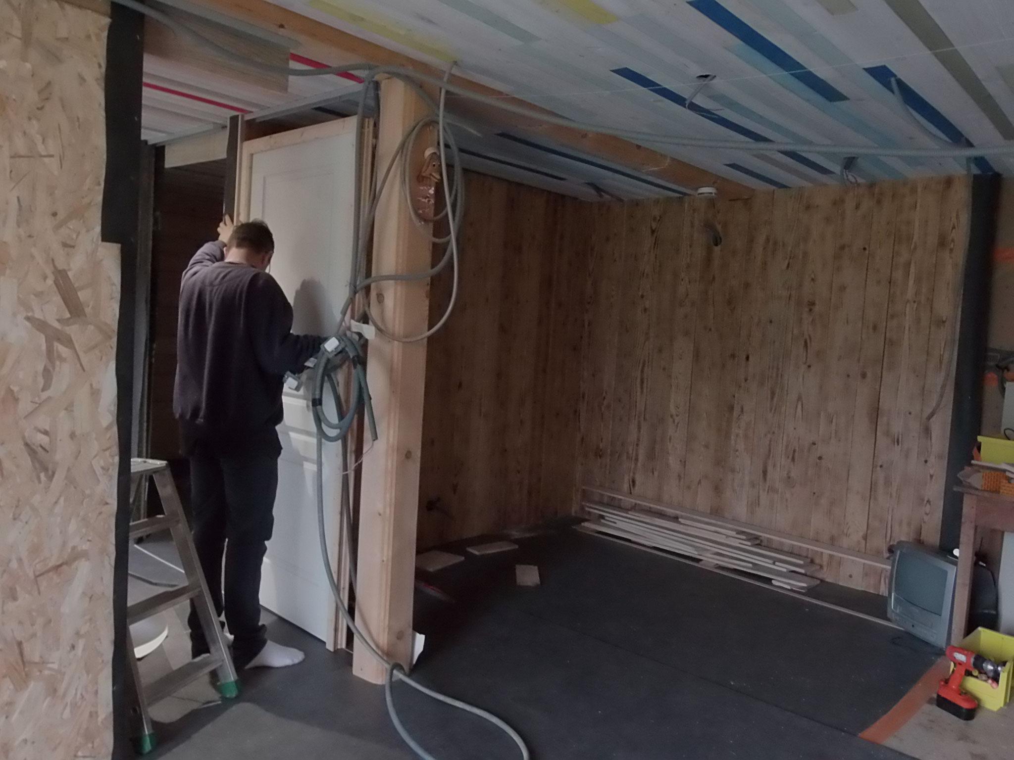 Juin 2018 : montage des portes et cloisons intermédiaires