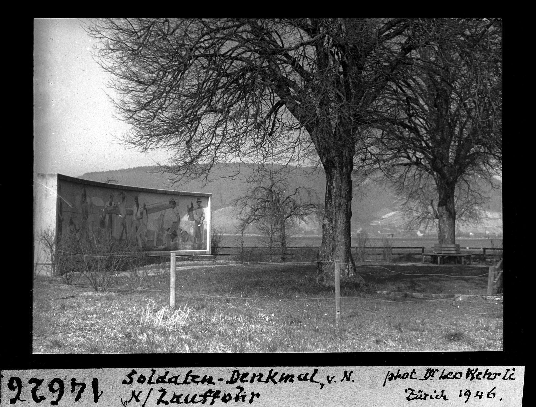 1946 - Soldatendenkmal Lauffohr (Quelle: ETH-Bibliothek, e-pics.ethz.ch)