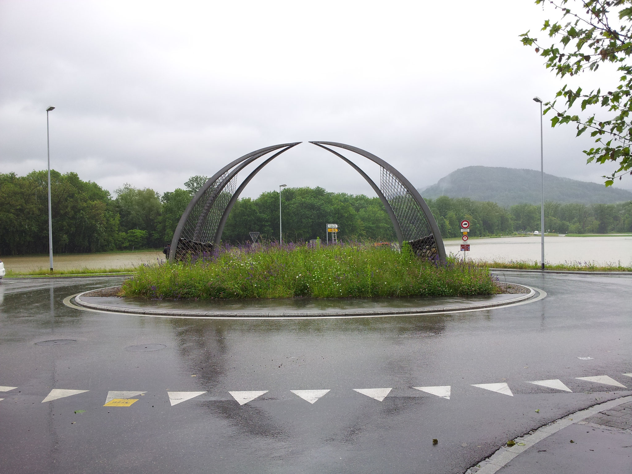 2013 - Hochwasser beim Kreisel Lauffohr (Quelle: Privatfoto)