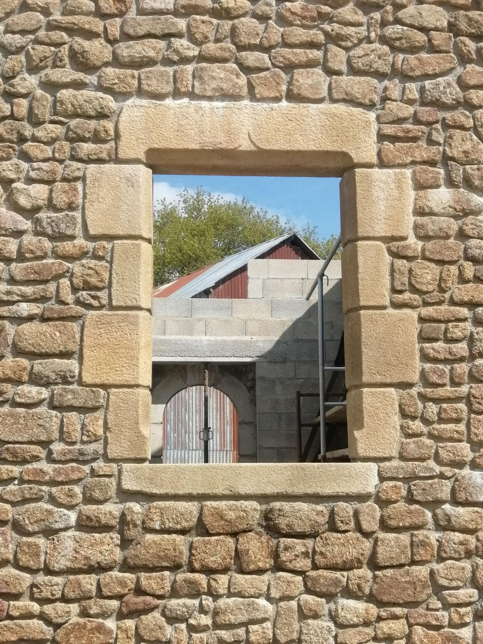 linteau jambage appui granit  fenêtre 135*95