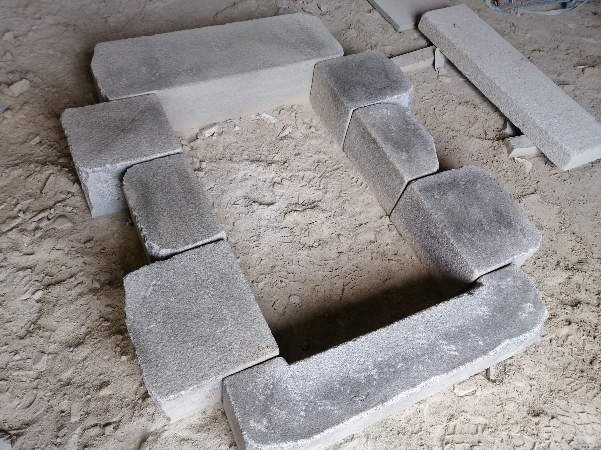 linteau jambage appui granit gris vieilli