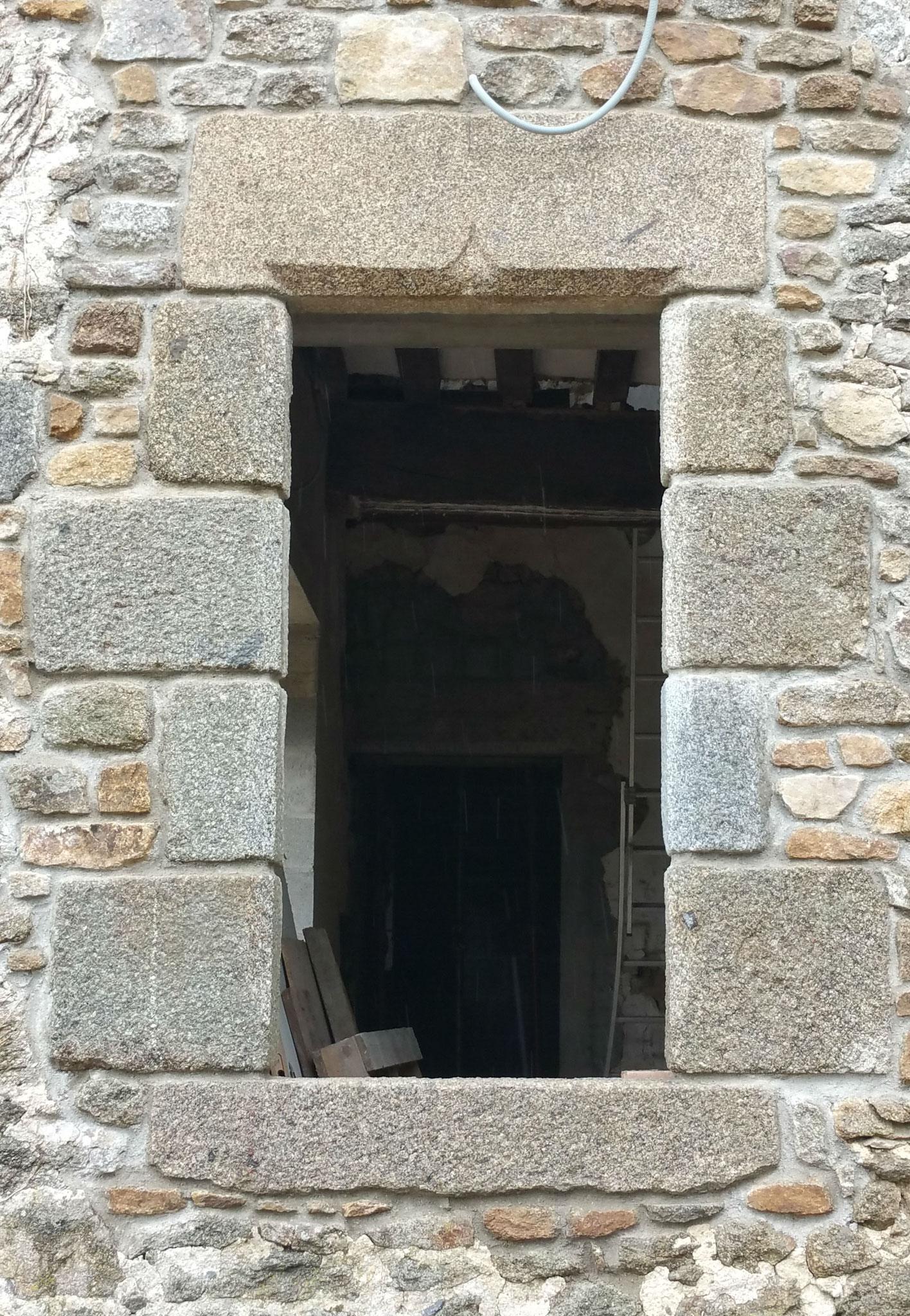 encadrement granit linteau jambage appui
