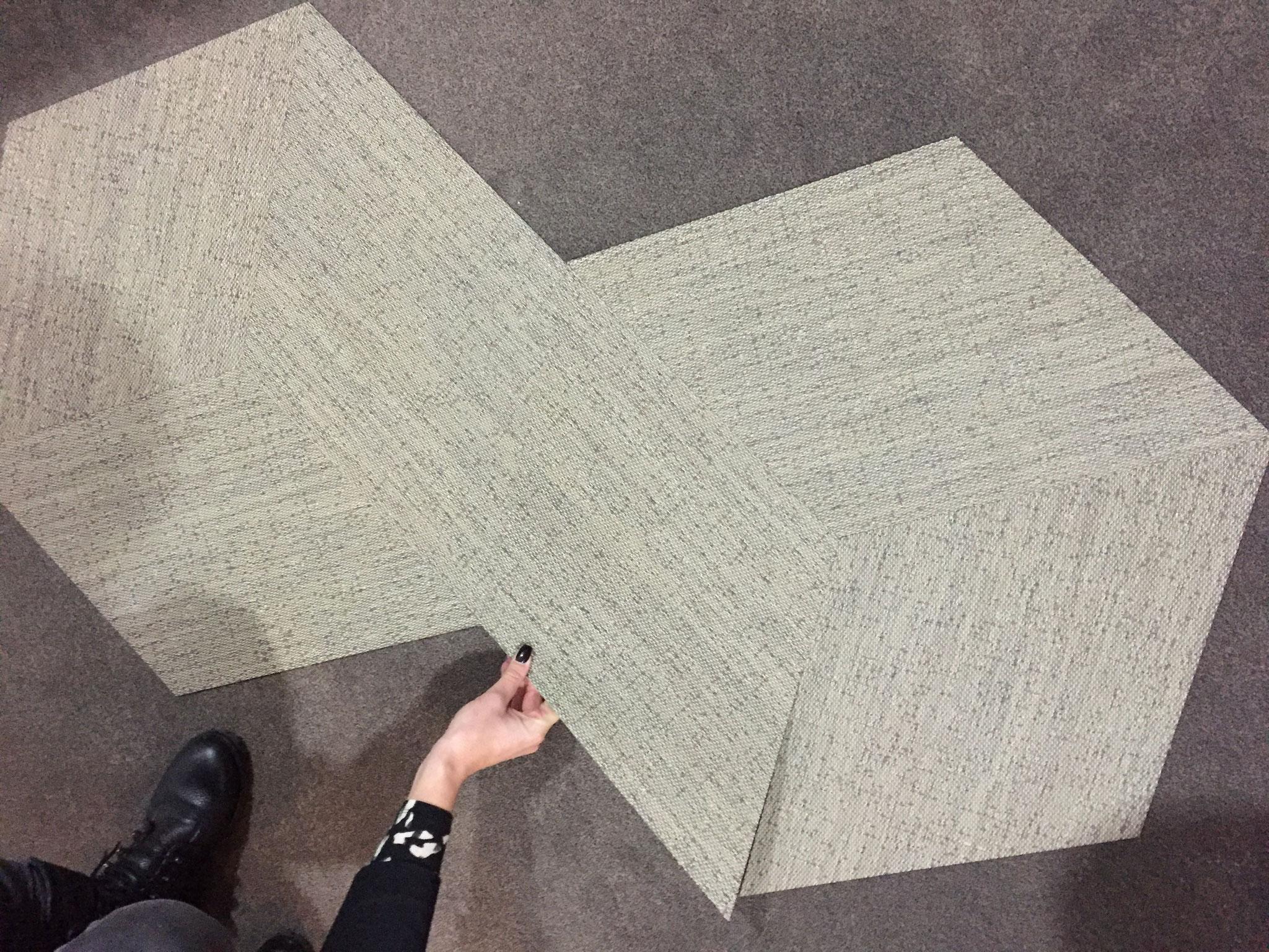 De vinyl-tegels zijn in diverse richtingen neer te leggen om een apart effect te krijgen